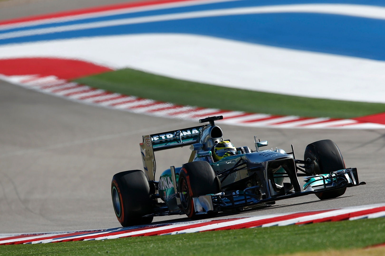 mercedes amg petronas snatches 14 points at us grand prix. Black Bedroom Furniture Sets. Home Design Ideas