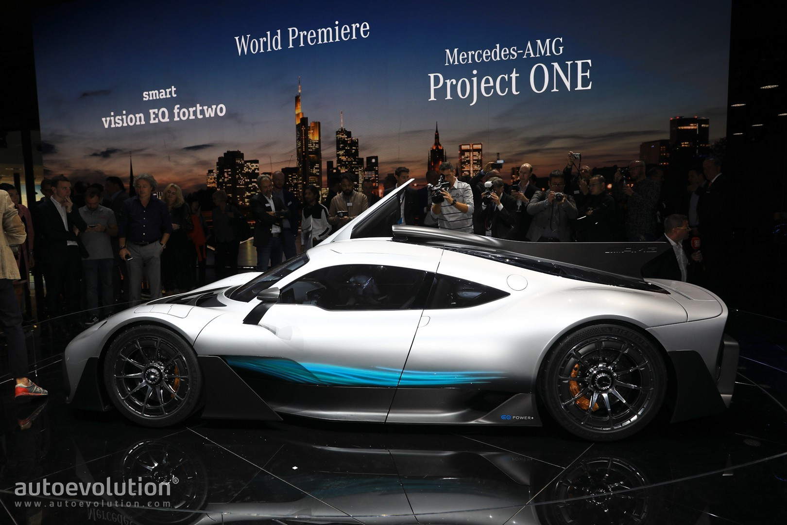mercedes amg project one roadster looks amazing sadly won. Black Bedroom Furniture Sets. Home Design Ideas
