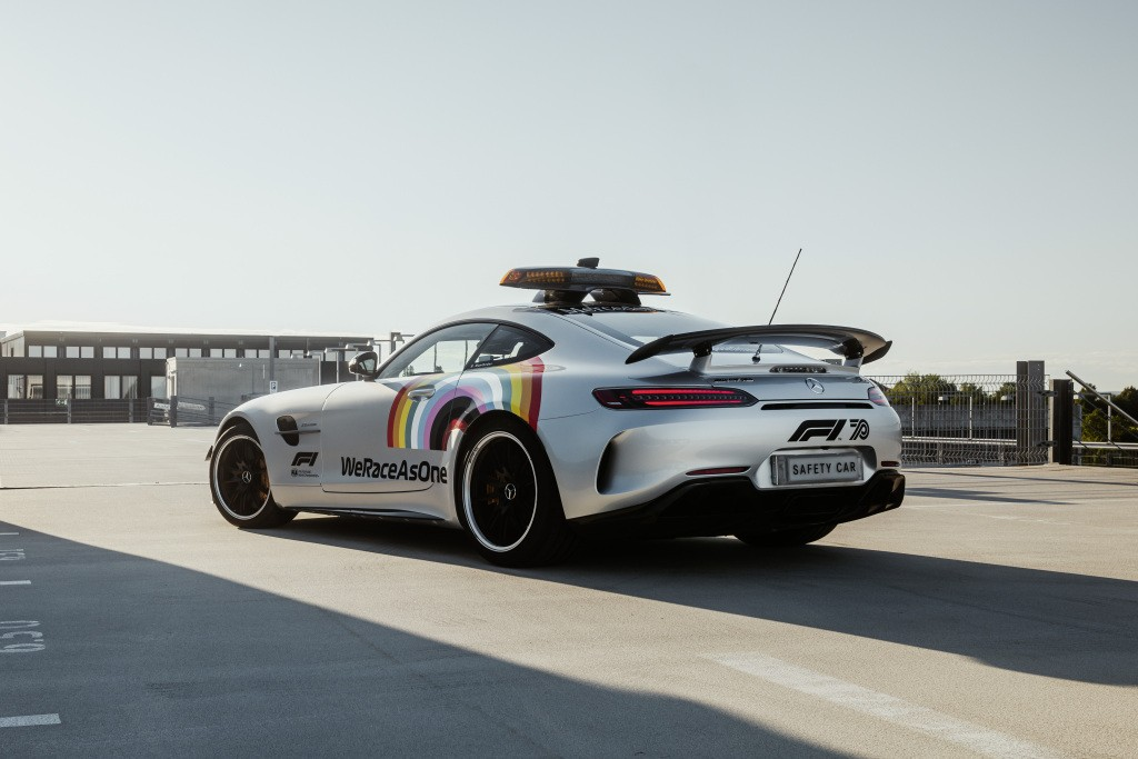 2014 - [Mercedes-AMG] GT [C190] - Page 32 Mercedes-amg-s-official-gt-r-f1-safety-car-is-now-more-inclusive-than-ever_6