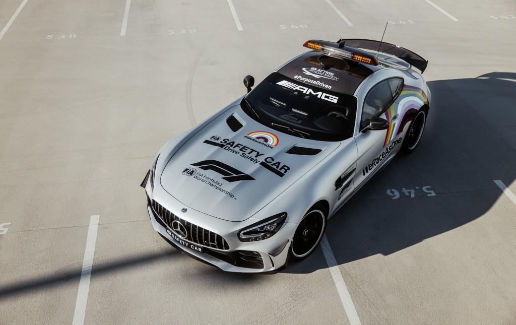 2014 - [Mercedes-AMG] GT [C190] - Page 32 Mercedes-amg-s-official-gt-r-f1-safety-car-is-now-more-inclusive-than-ever_9