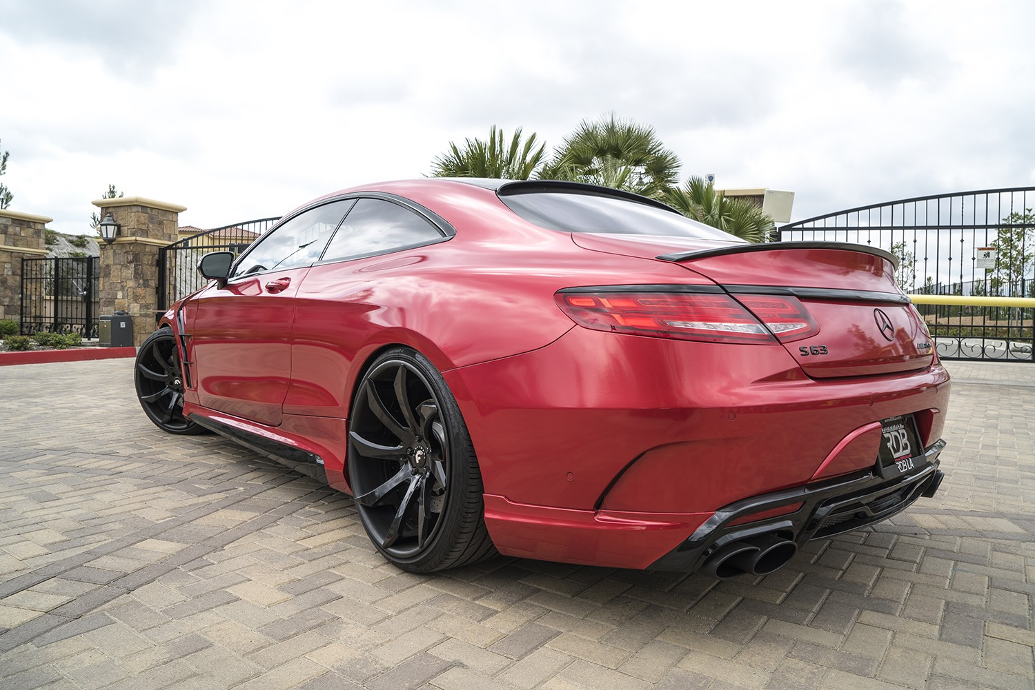 mercedes amg s63 coupe gets wald body kit and forgiato wheels autoevolution. Black Bedroom Furniture Sets. Home Design Ideas