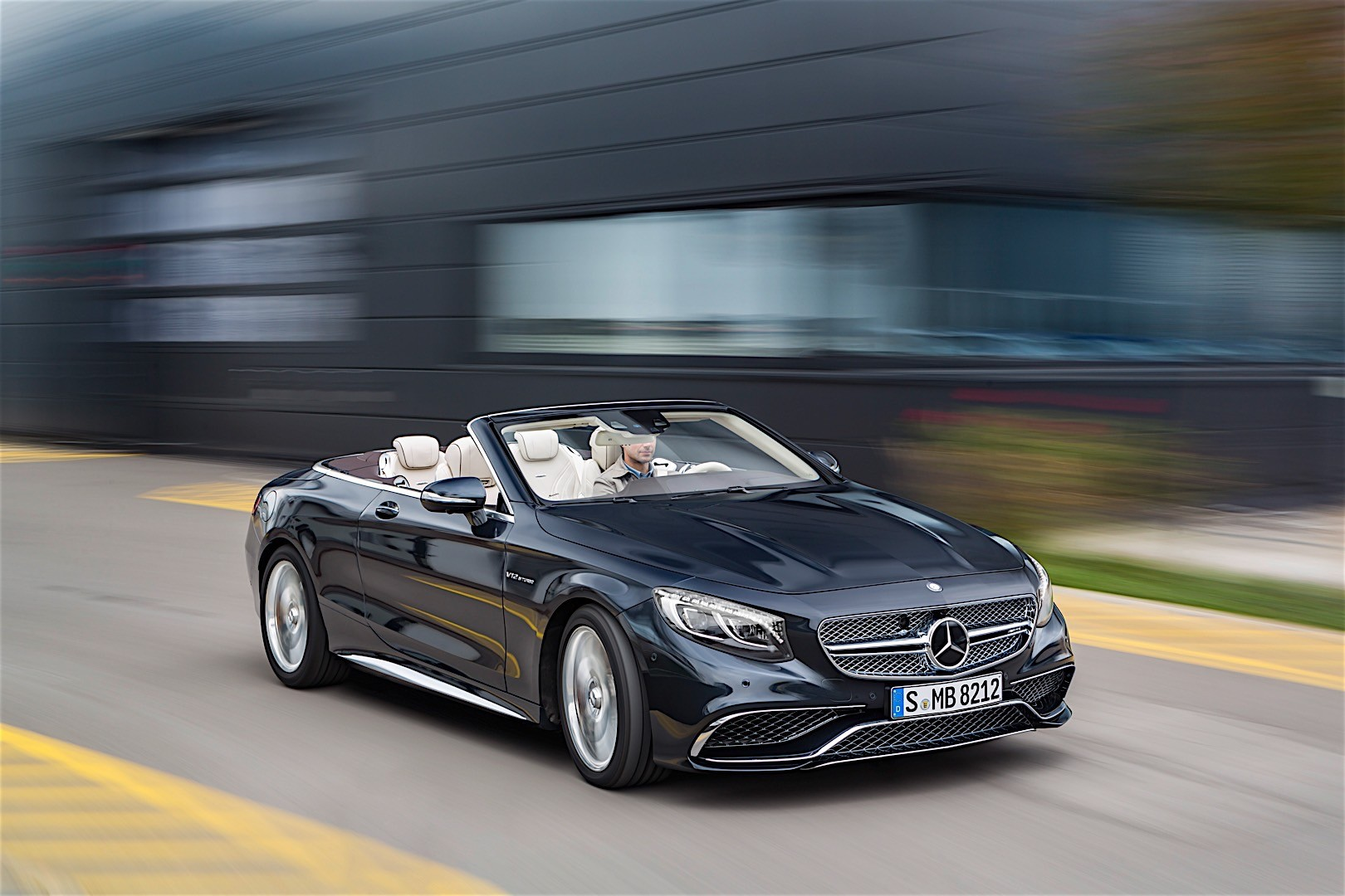 mercedes amg s65 cabriolet rounds off affalterbach s v12 offering to five models autoevolution. Black Bedroom Furniture Sets. Home Design Ideas