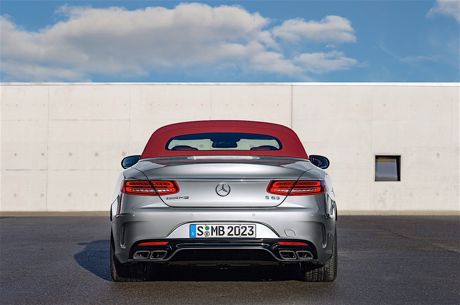 https://s1.cdn.autoevolution.com/images/news/gallery/mercedes-amg-unveils-anniversary-s-63-cabriolet-edition-130-photo-gallery_2.jpg