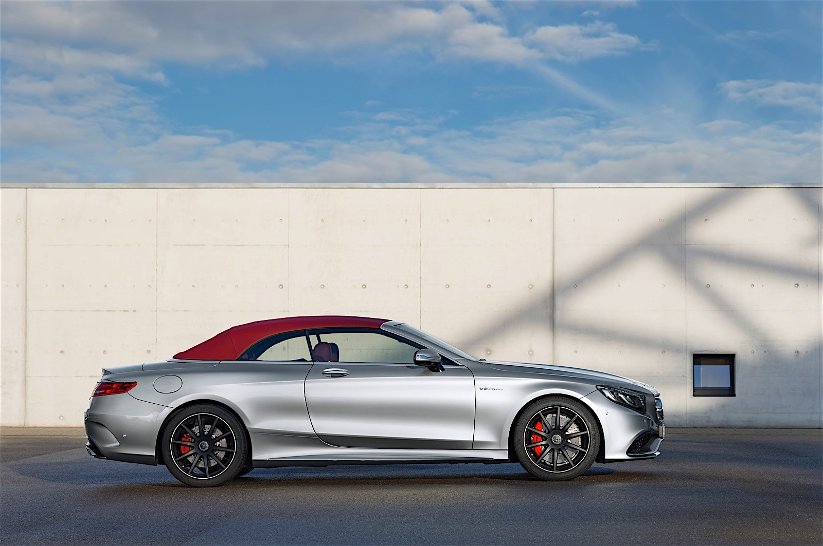 https://s1.cdn.autoevolution.com/images/news/gallery/mercedes-amg-unveils-anniversary-s-63-cabriolet-edition-130-photo-gallery_6.jpg