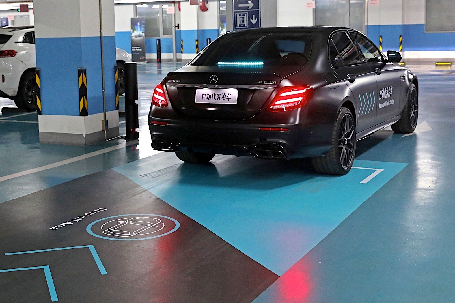 mercedes benz automated valet parking tested in china. Black Bedroom Furniture Sets. Home Design Ideas