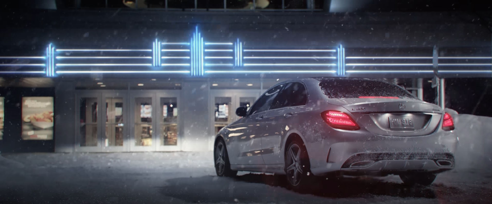 Mercedes benz 4matic winter commercial will appeal to the for New mercedes benz commercial