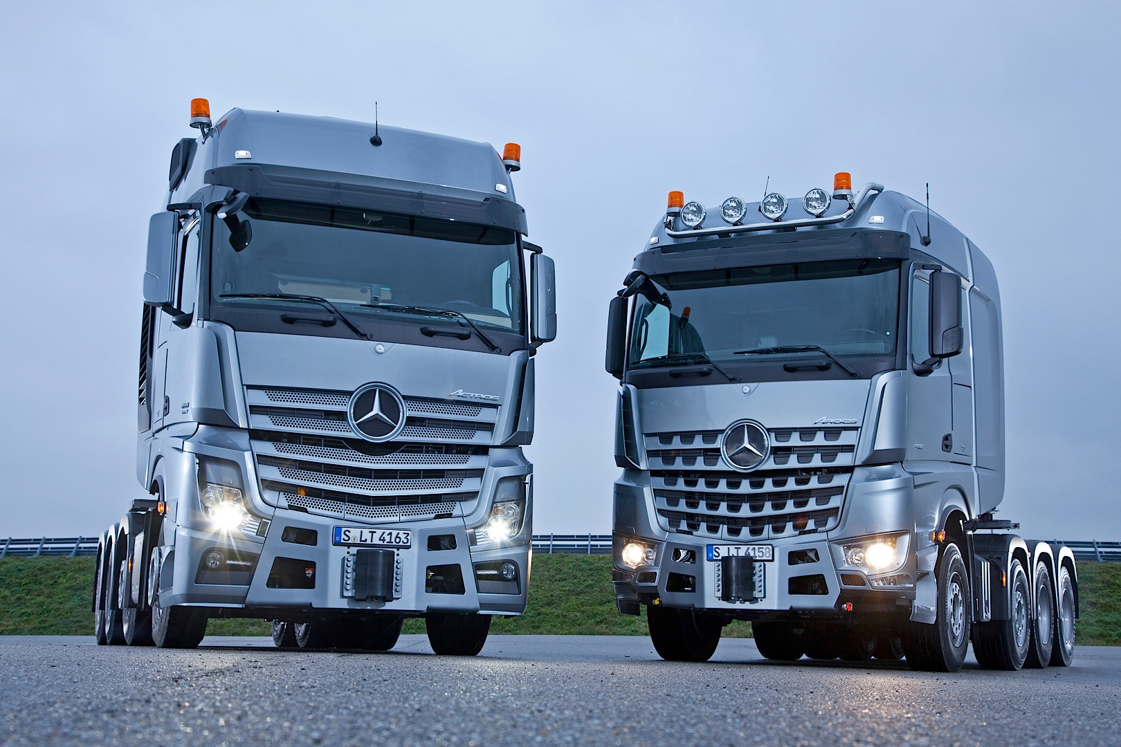 Mercedes-Benz Actros SLT and Arocs SLT Can Haul Anything ...