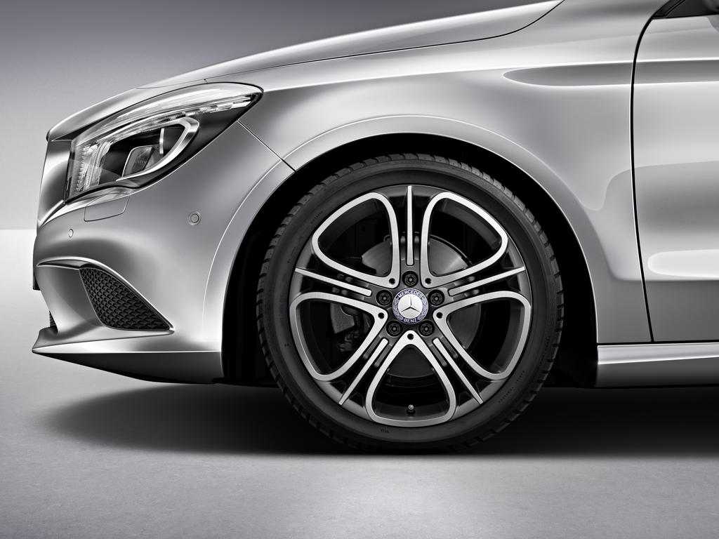 Mercedes benz announces 2014 cla accessories autoevolution for Mercedes benz exterior parts