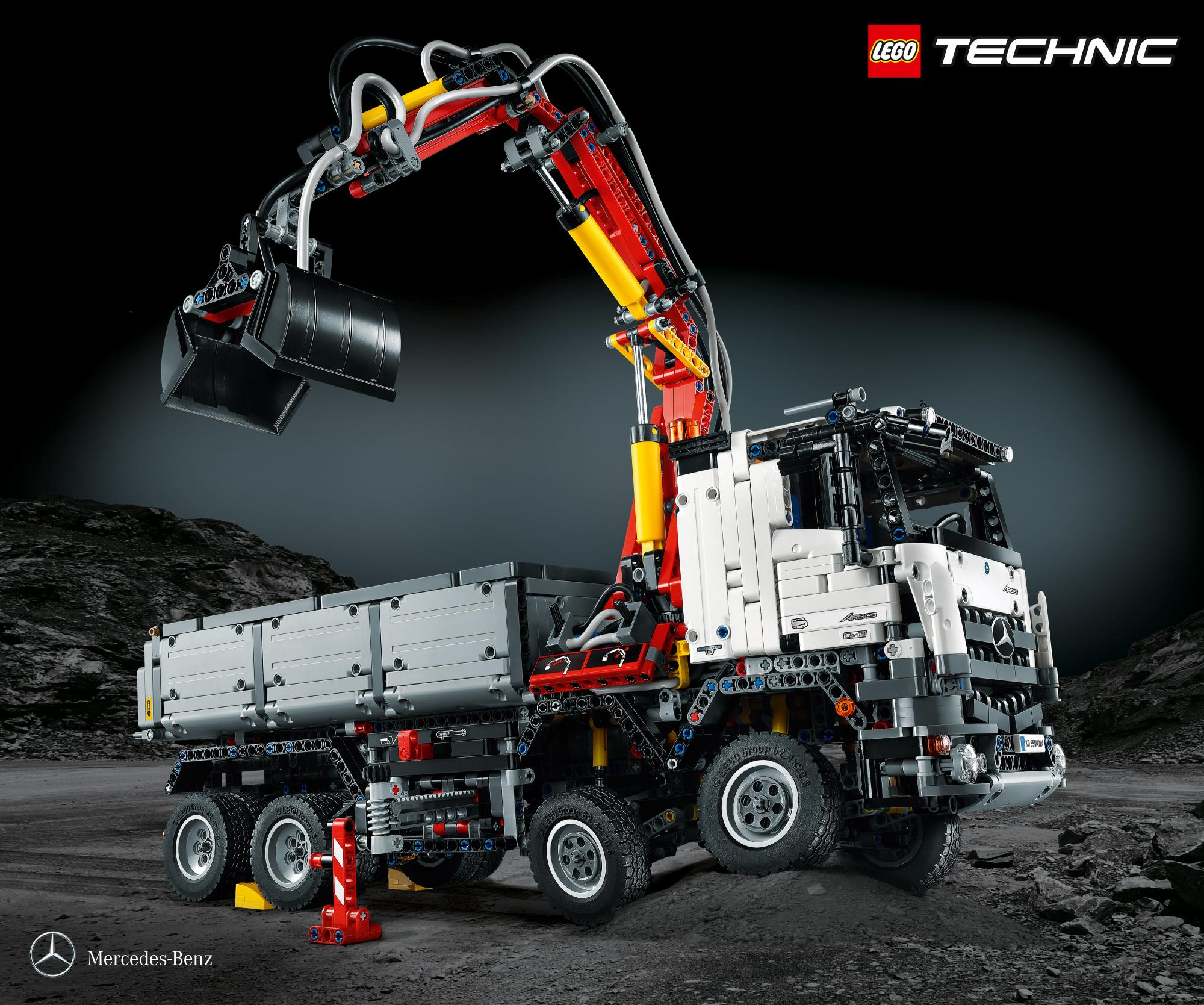 mercedes benz arocs 3245 launched it 39 s a lego technic truck made of almost 3 000 pieces. Black Bedroom Furniture Sets. Home Design Ideas