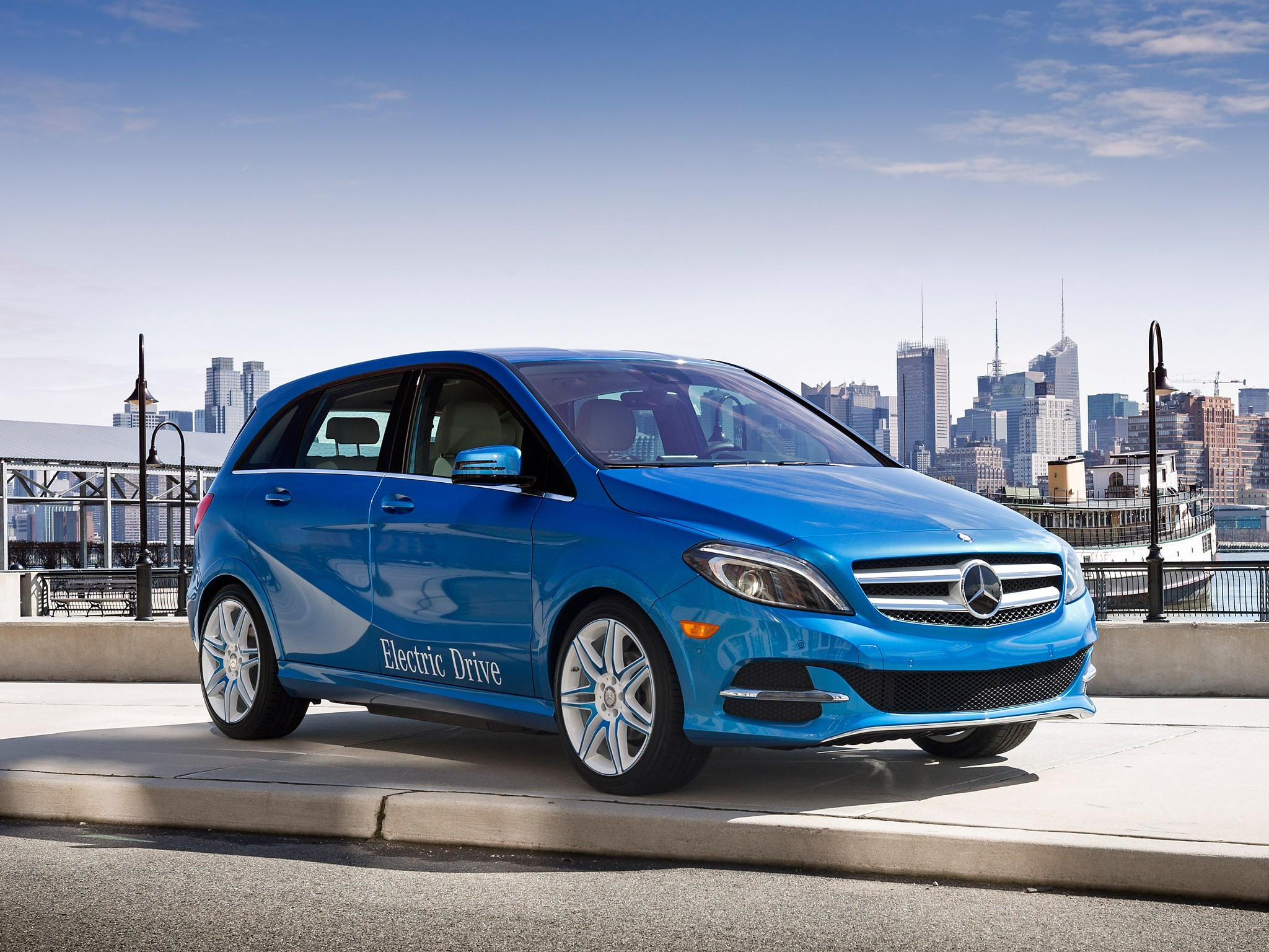 Mercedes benz pulls the plug on b class electric drive for Mercedes benz b class