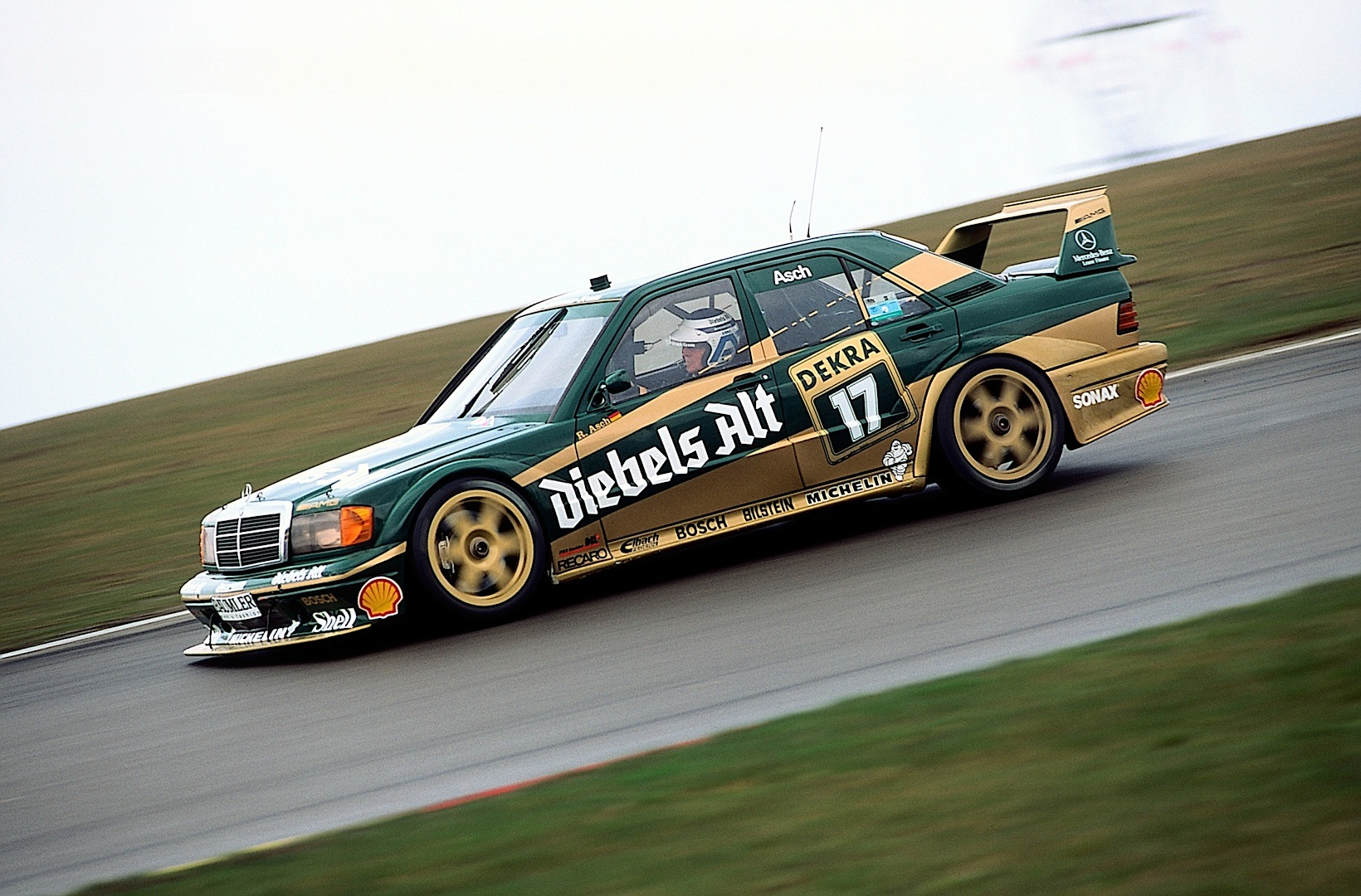 Mercedes benz brings two historic touring cars at the for Mercedes benz race car