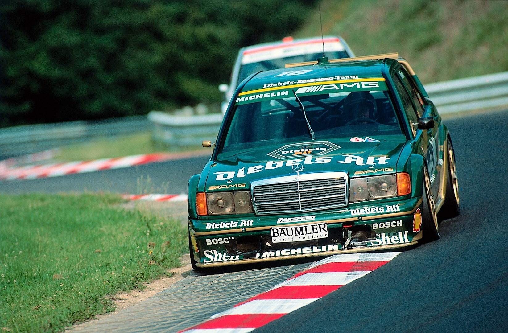 mercedes benz brings two historic touring cars at the westfalen trophy autoevolution. Black Bedroom Furniture Sets. Home Design Ideas