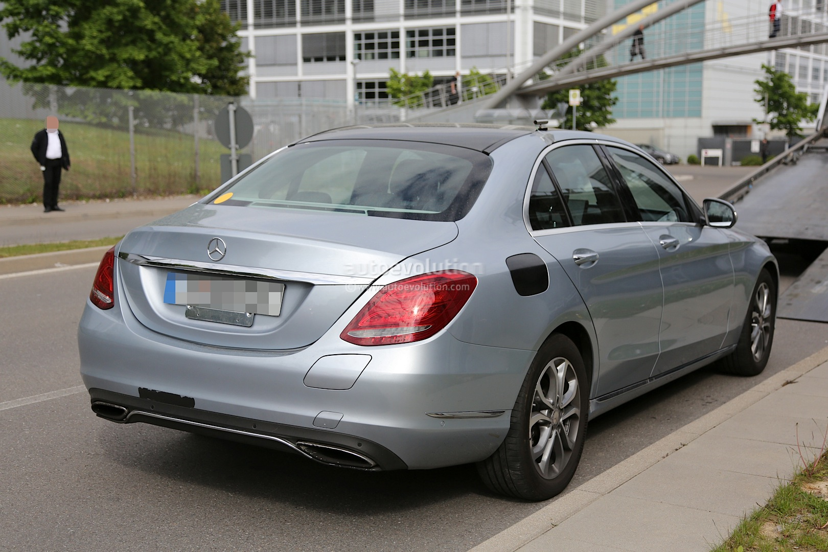 Mercedes benz c 350 plug in hybrid completely uncovered for Nearest mercedes benz