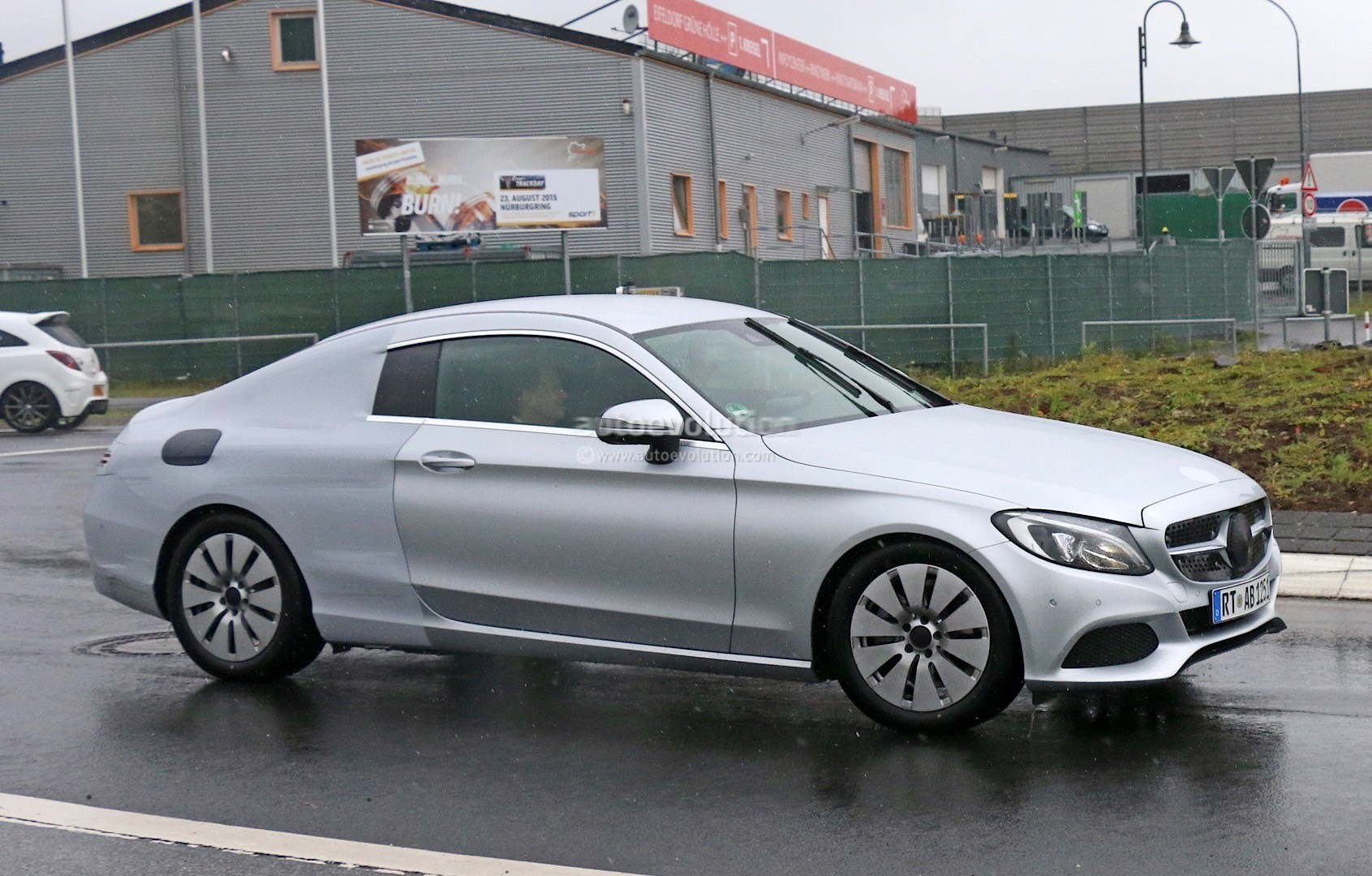 mercedes benz c class coupe spied half naked looks like a lessen s class coupe autoevolution. Black Bedroom Furniture Sets. Home Design Ideas