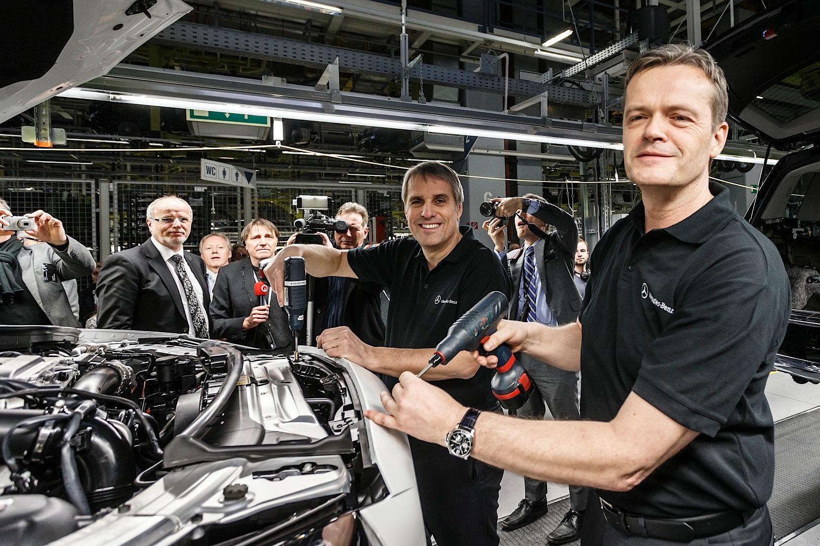 Mercedes-Benz C-Class W205 Starts Production in Bremen ...