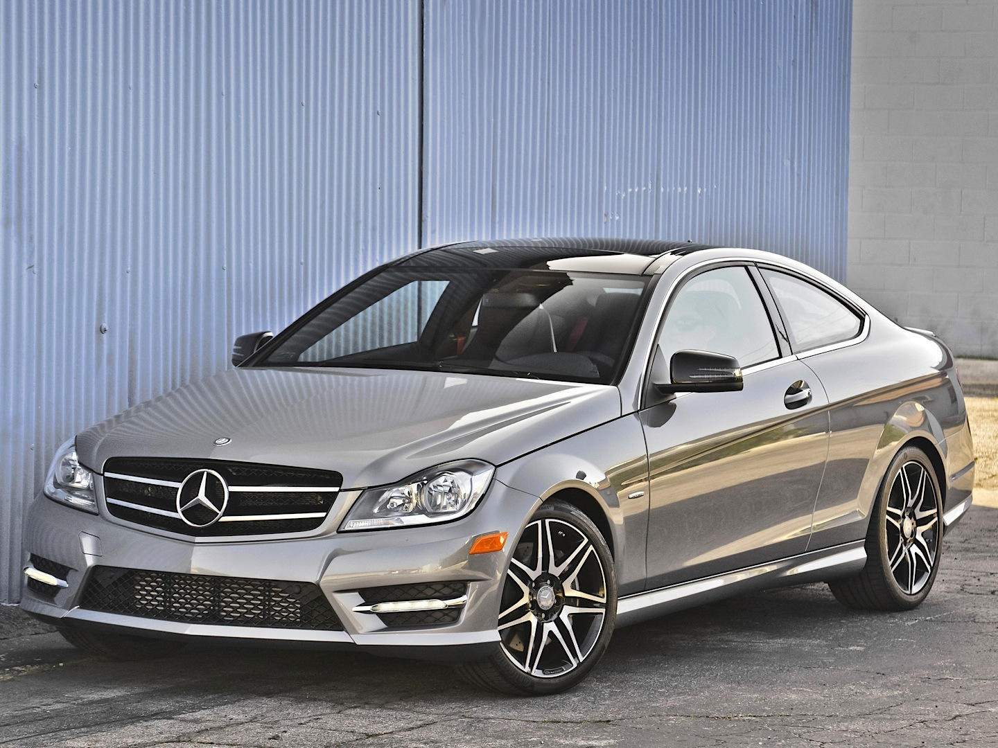 Mercedes benz c350 4matic review by autoguide autoevolution for Mercedes benz 350 c