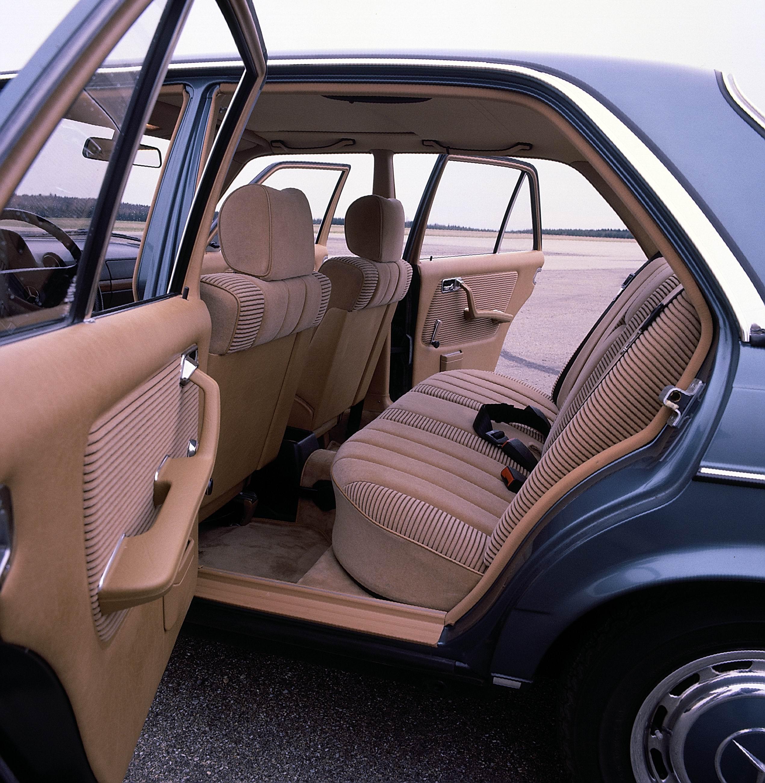 mercedes w123 benz 123 1975 class 1985 baureihe klasse series celebrates 40th anniversary 1976 legendary mustang 1983 1980 1978 jahre
