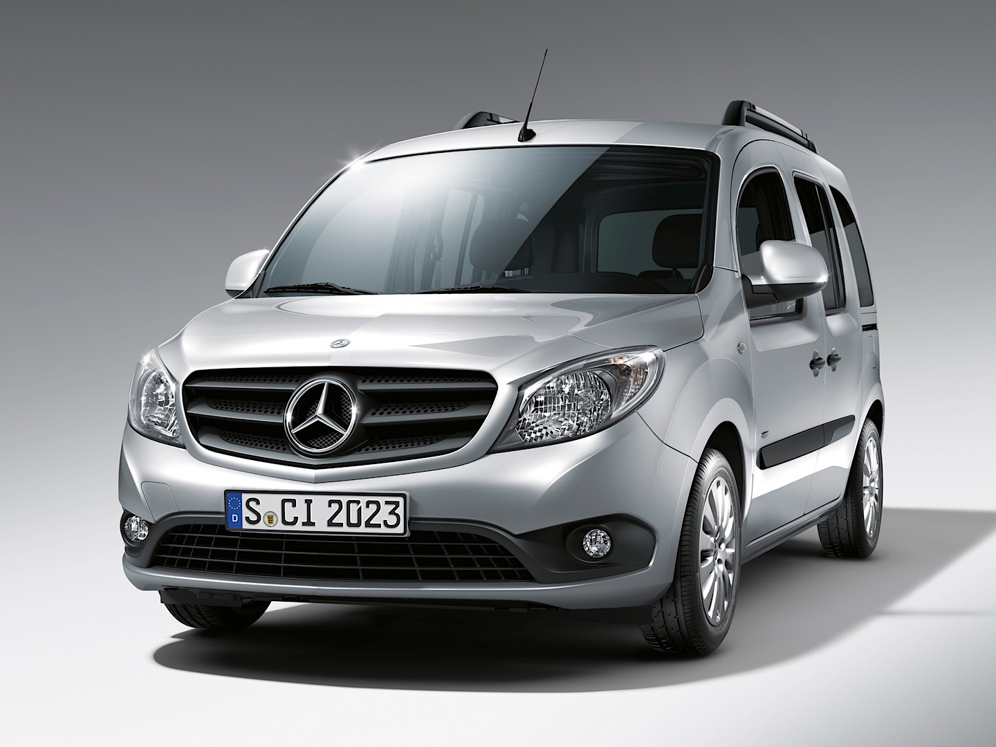 mercedes benz citan gets reassessed by euroncap autoevolution. Black Bedroom Furniture Sets. Home Design Ideas