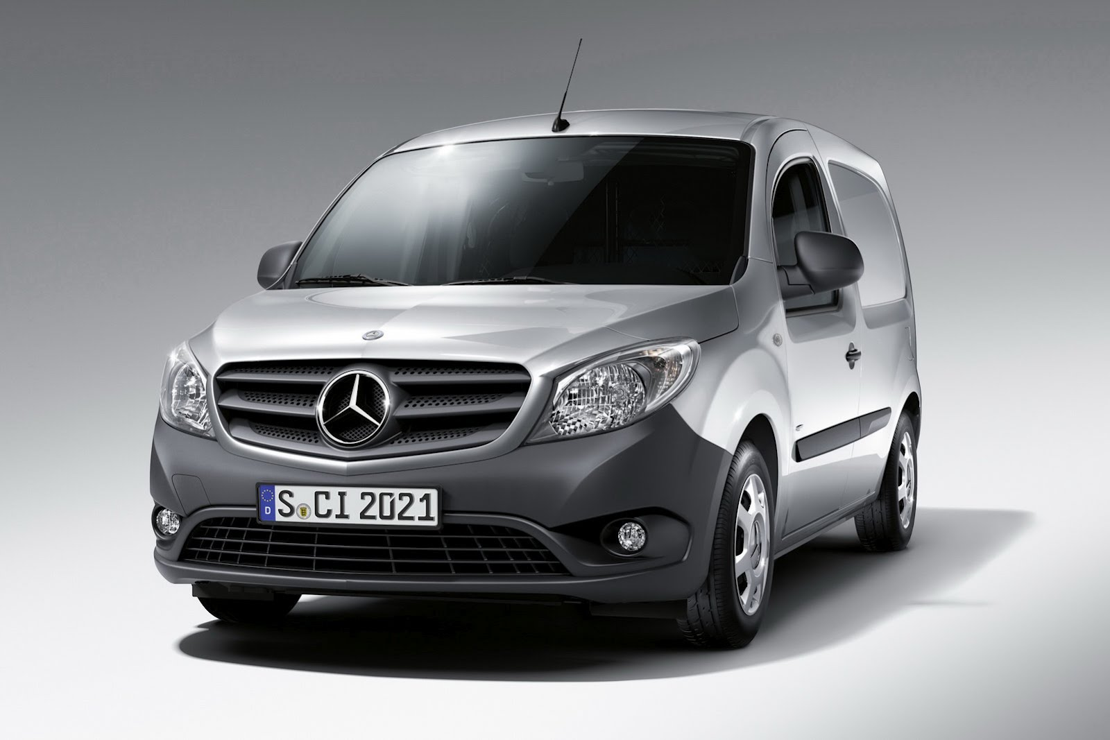 mercedes benz citan urban van autoevolution. Black Bedroom Furniture Sets. Home Design Ideas