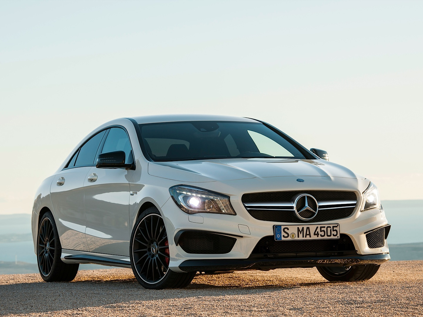 Mercedes benz cla 45 amg driven by vadimauto autoevolution for Mercedes benz amg cla 45