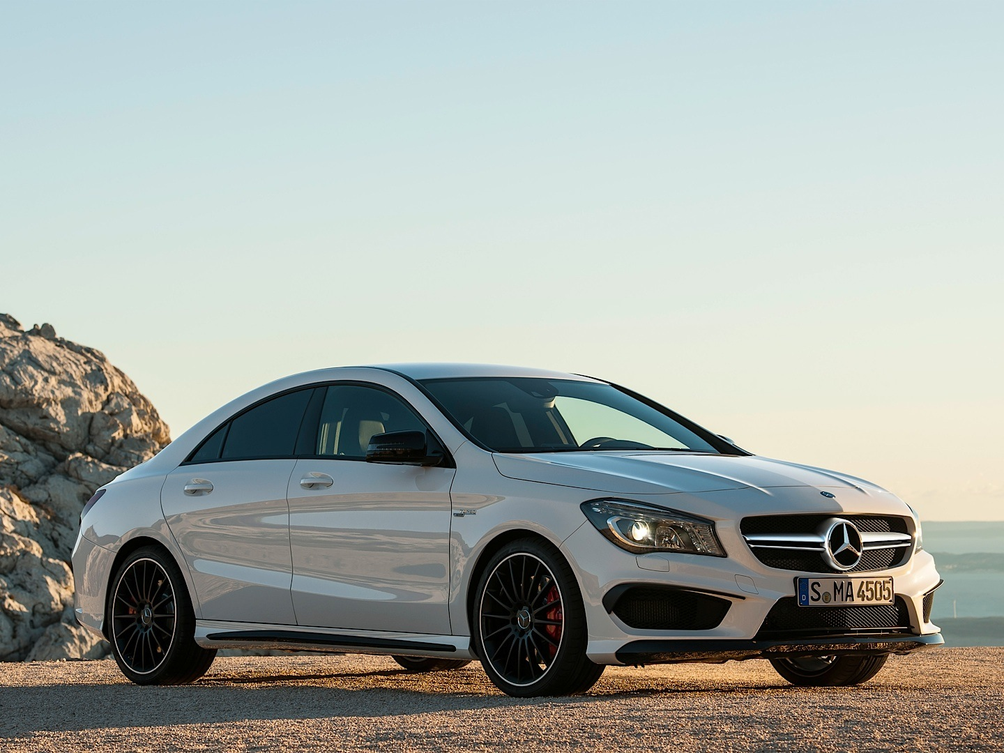 Mercedes benz cla 45 amg driven by vadimauto autoevolution for Mercedes benz cla 350