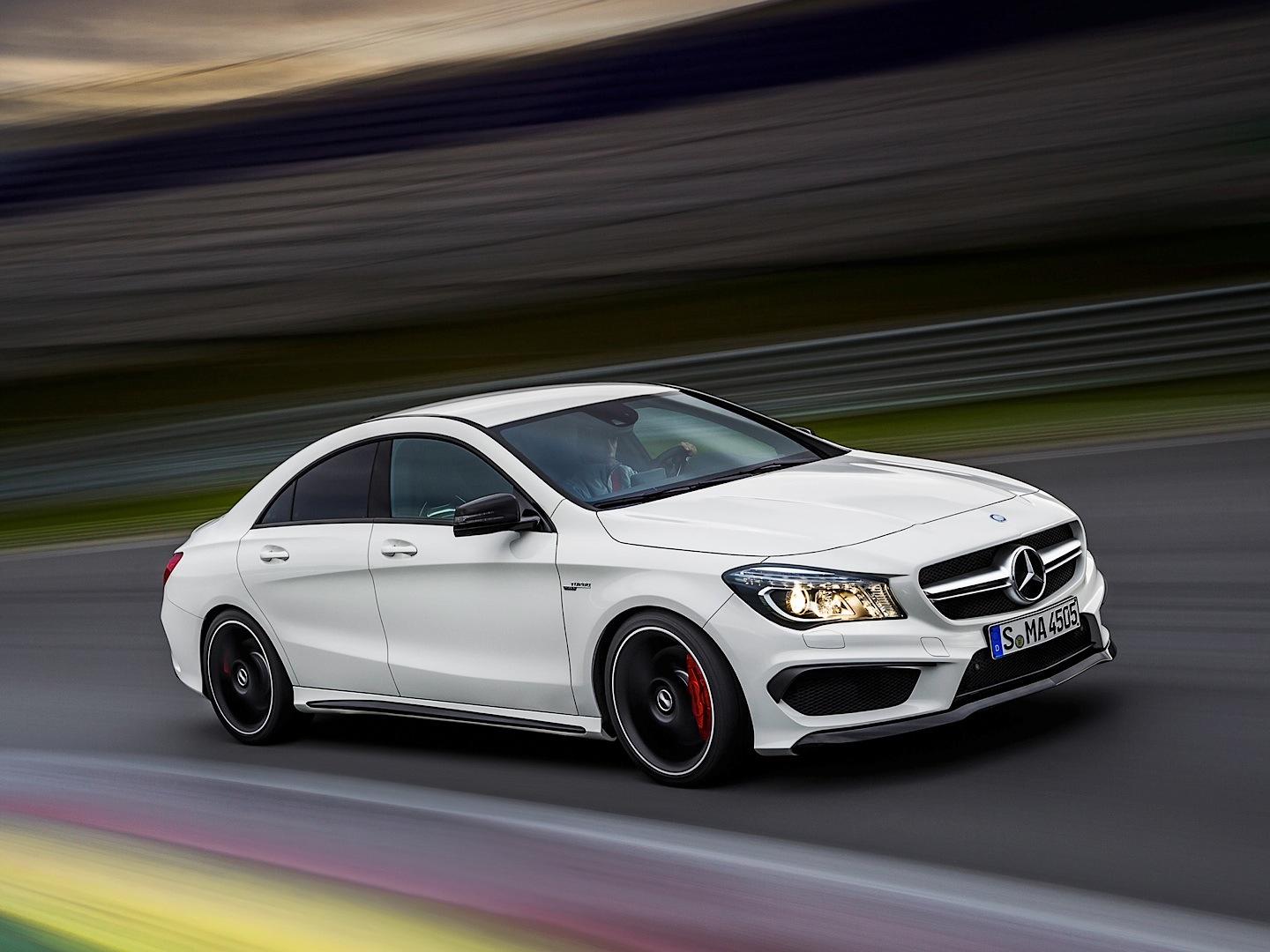 Mercedes benz cla 45 amg driven by vadimauto autoevolution for Mercedes benz glk amg