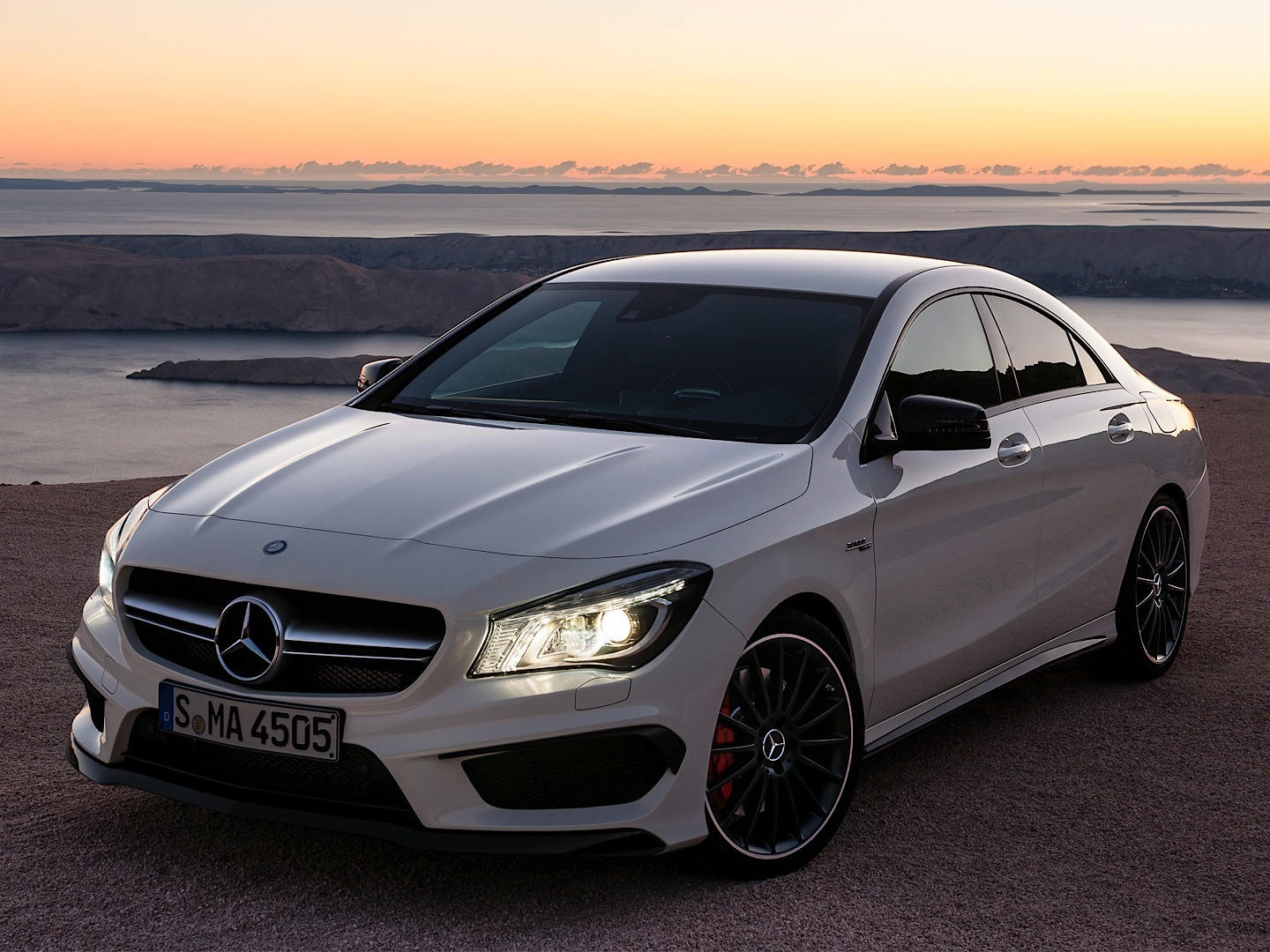mercedes benz cla 45 amg gets epa rated autoevolution. Black Bedroom Furniture Sets. Home Design Ideas