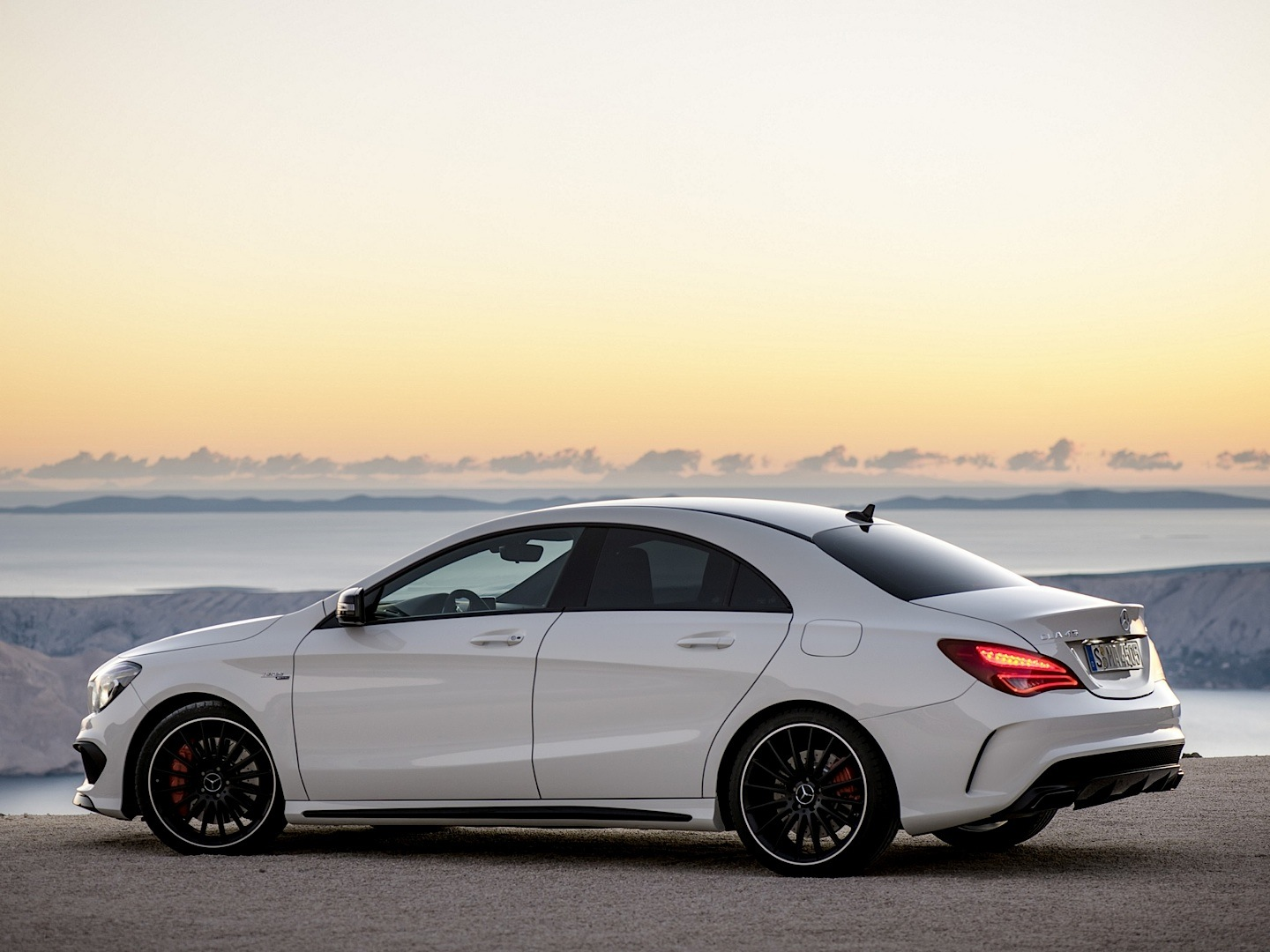 Mercedes benz cla 45 amg gets epa rated autoevolution for Mercedes benze cla