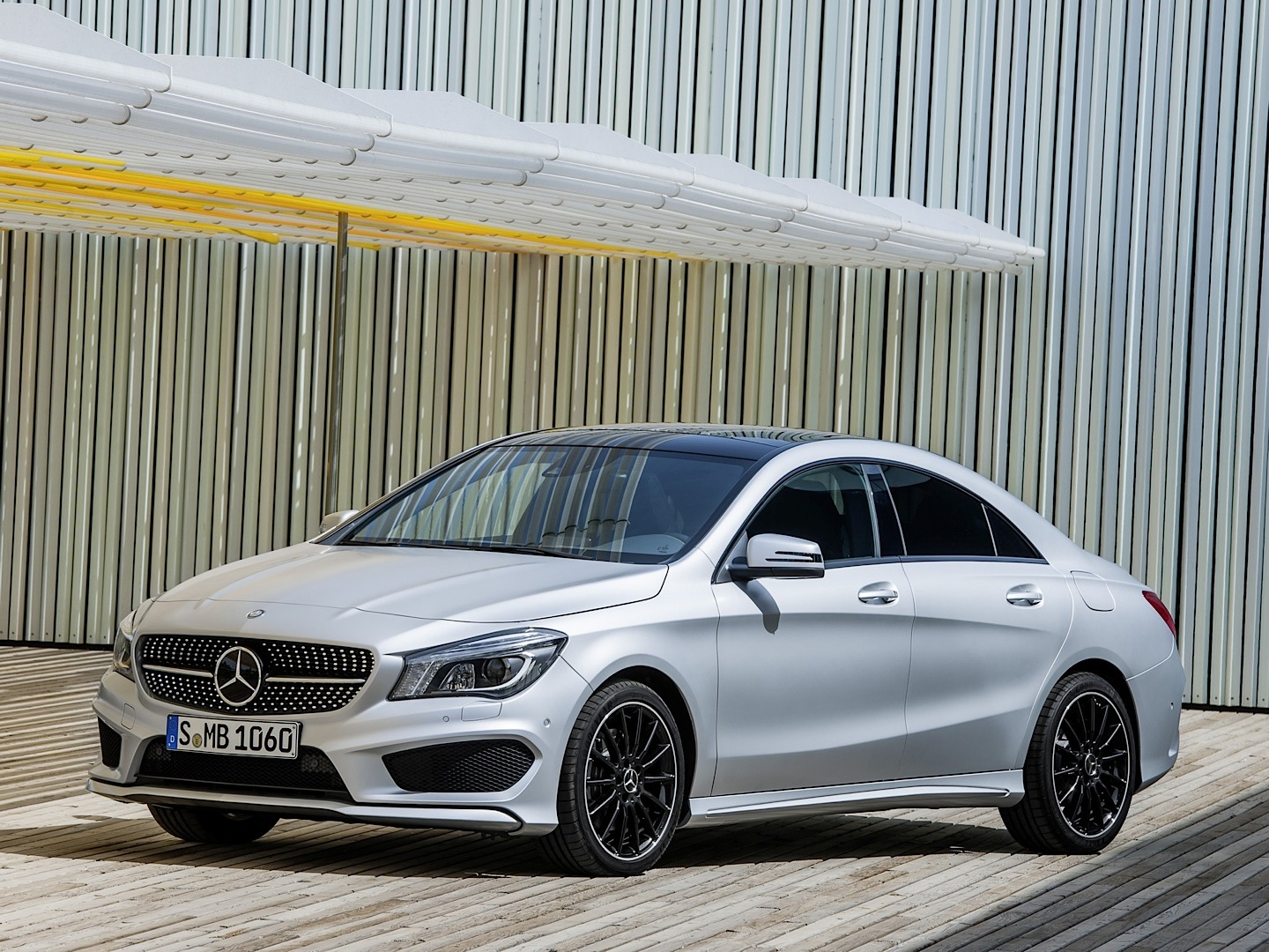 Mercedes benz cla gets on the 2014 nacoty shortlist for Mercedes benz pines