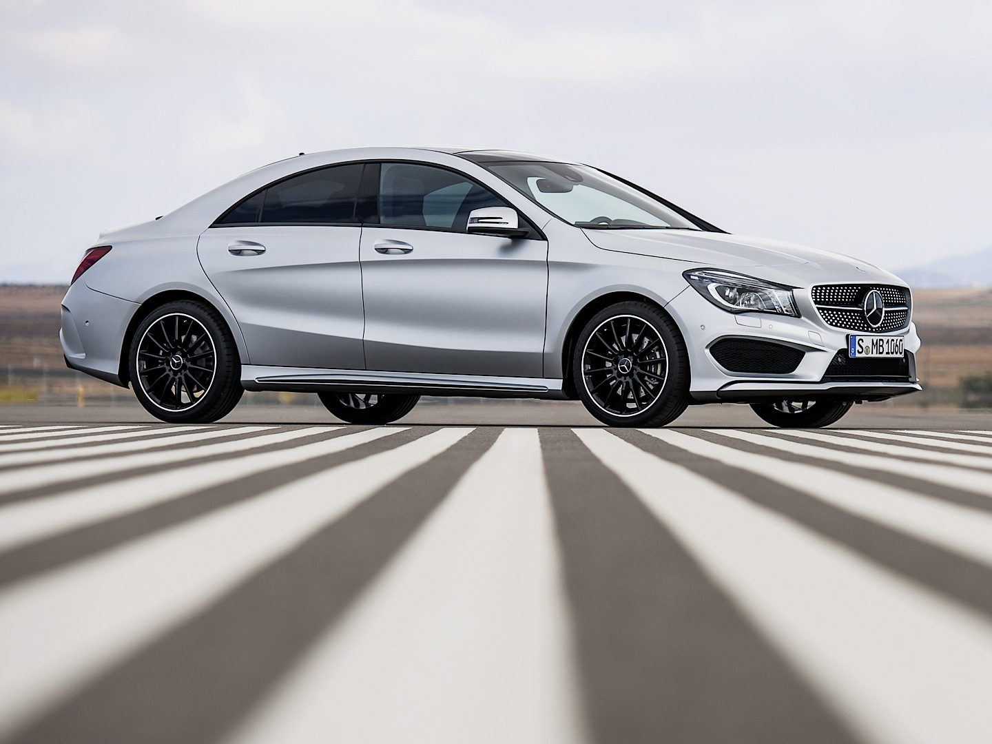 Mercedes benz cla gets reviewed by consumer reports for Best looking mercedes benz models