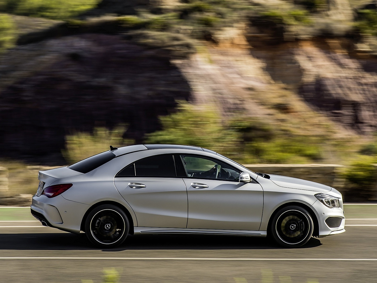 Mercedes benz cla is already a major hit in the united for Mercedes benz ua