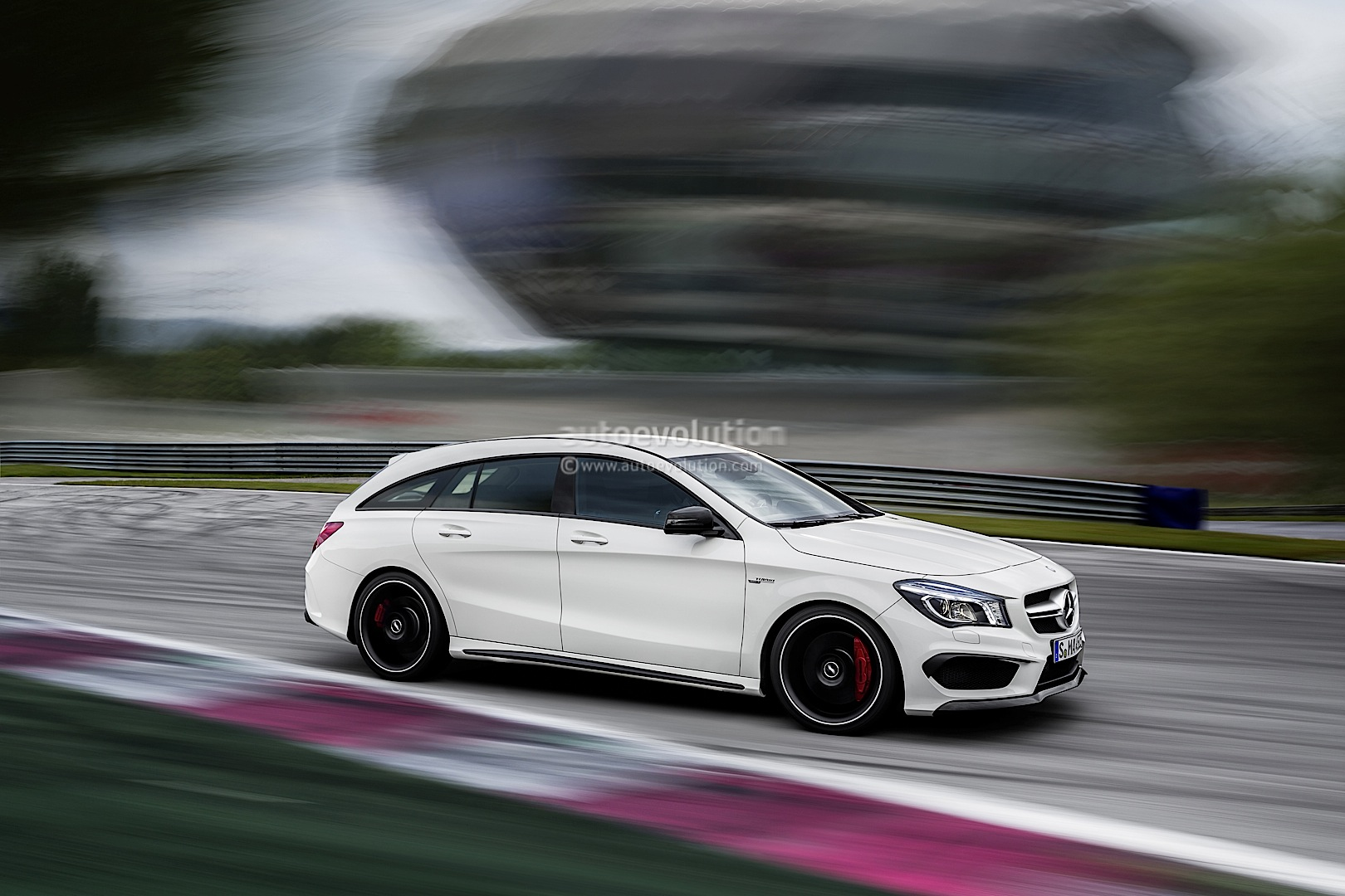 mercedes benz cla shooting brake x117 spied and masterfully rendered autoevolution. Black Bedroom Furniture Sets. Home Design Ideas