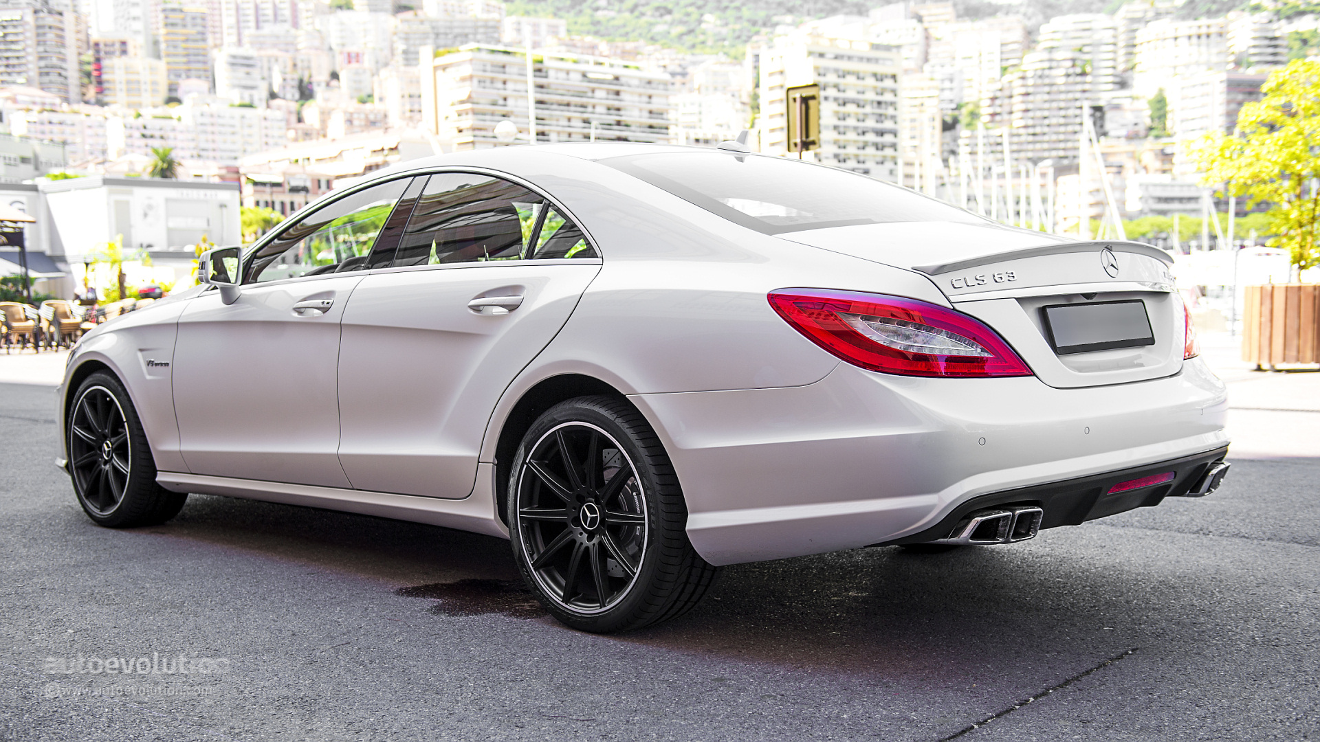 mercedes benz cls 63 amg 4matic tested by autoevolution autoevolution. Black Bedroom Furniture Sets. Home Design Ideas