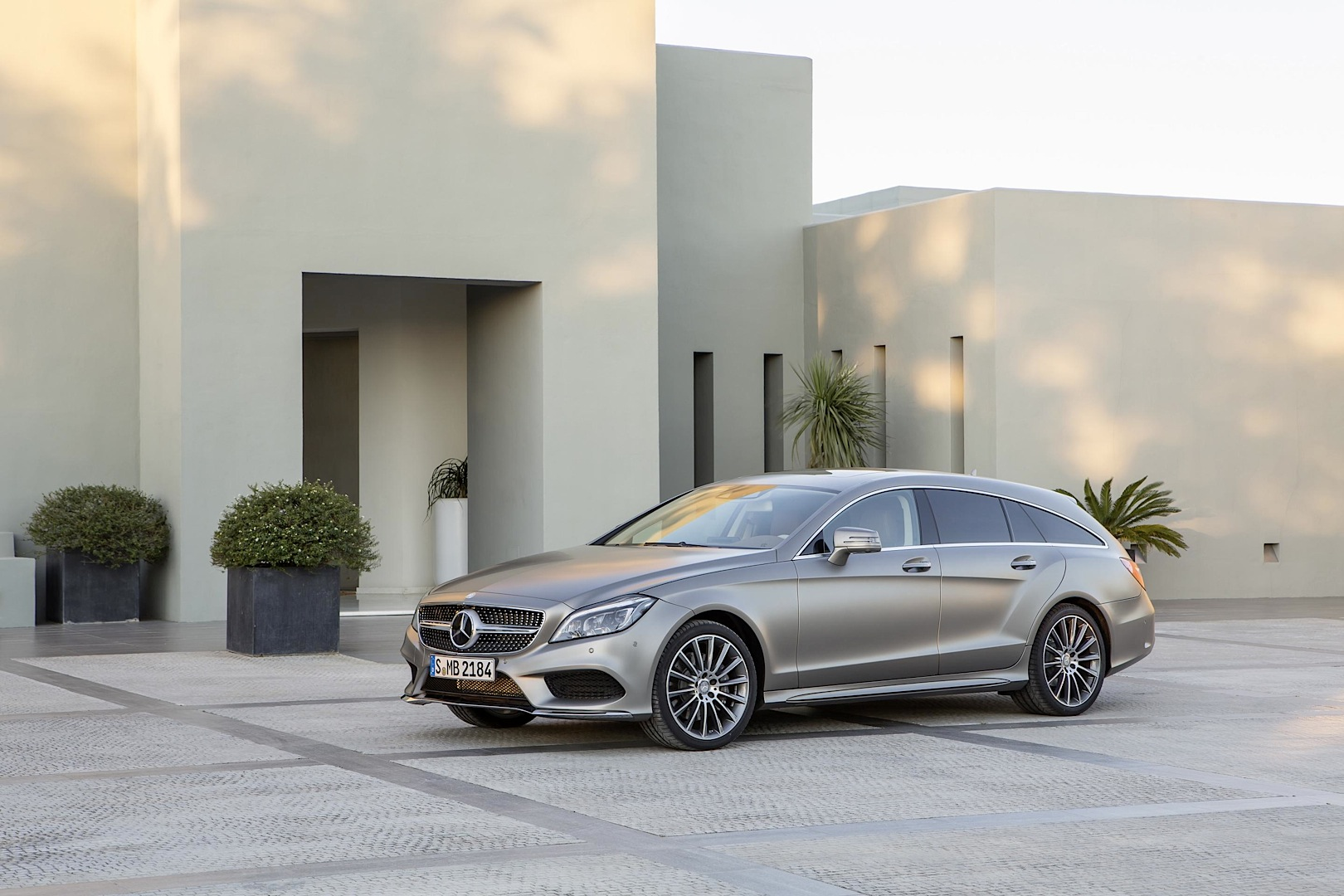 Mercedes-Benz Quietly Introduces All-New V6 Engine on CLS