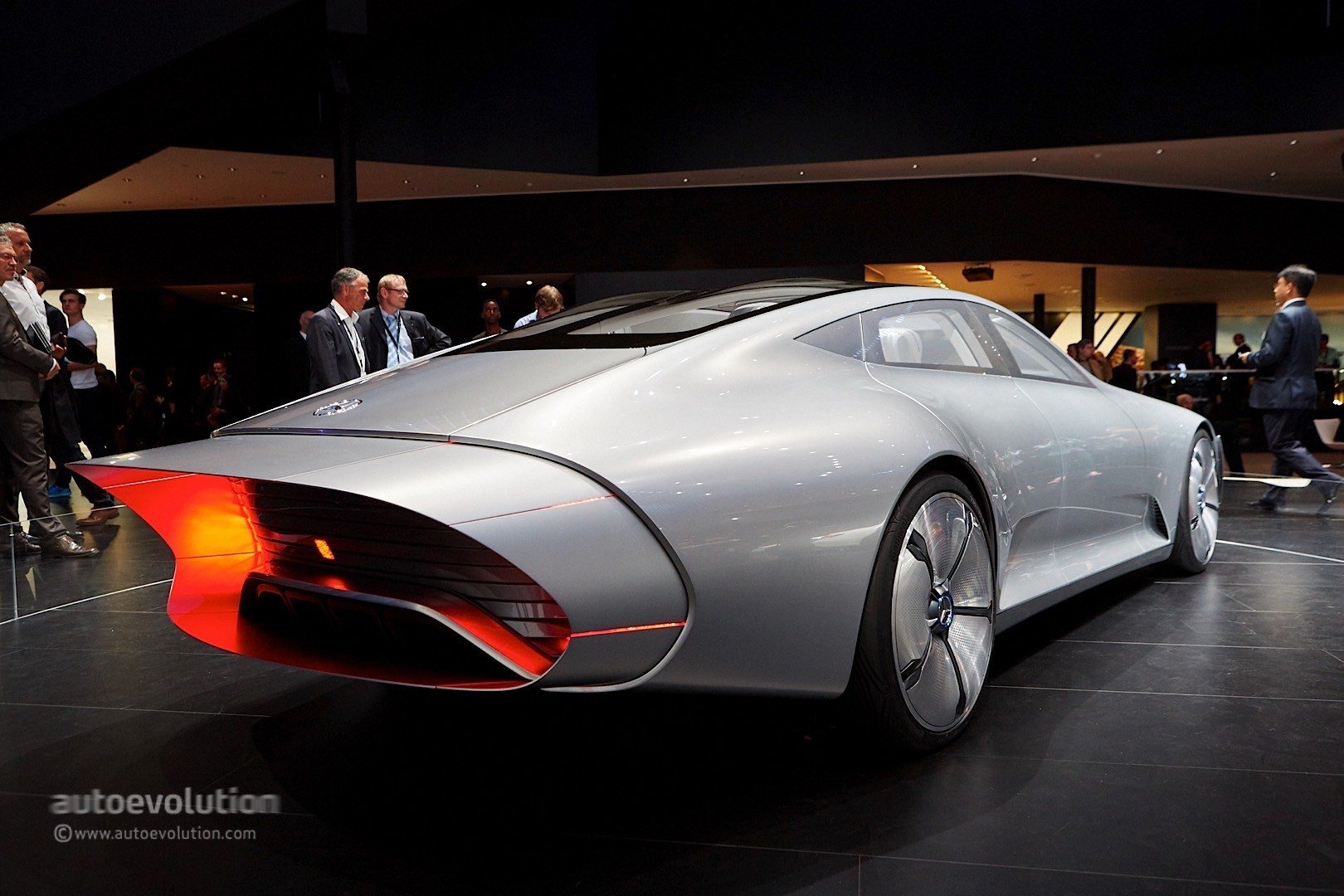 Mercedes Benz Amg >> Mercedes-Benz Concept IAA Storms Frankfurt with Its Morphing Abilities - autoevolution