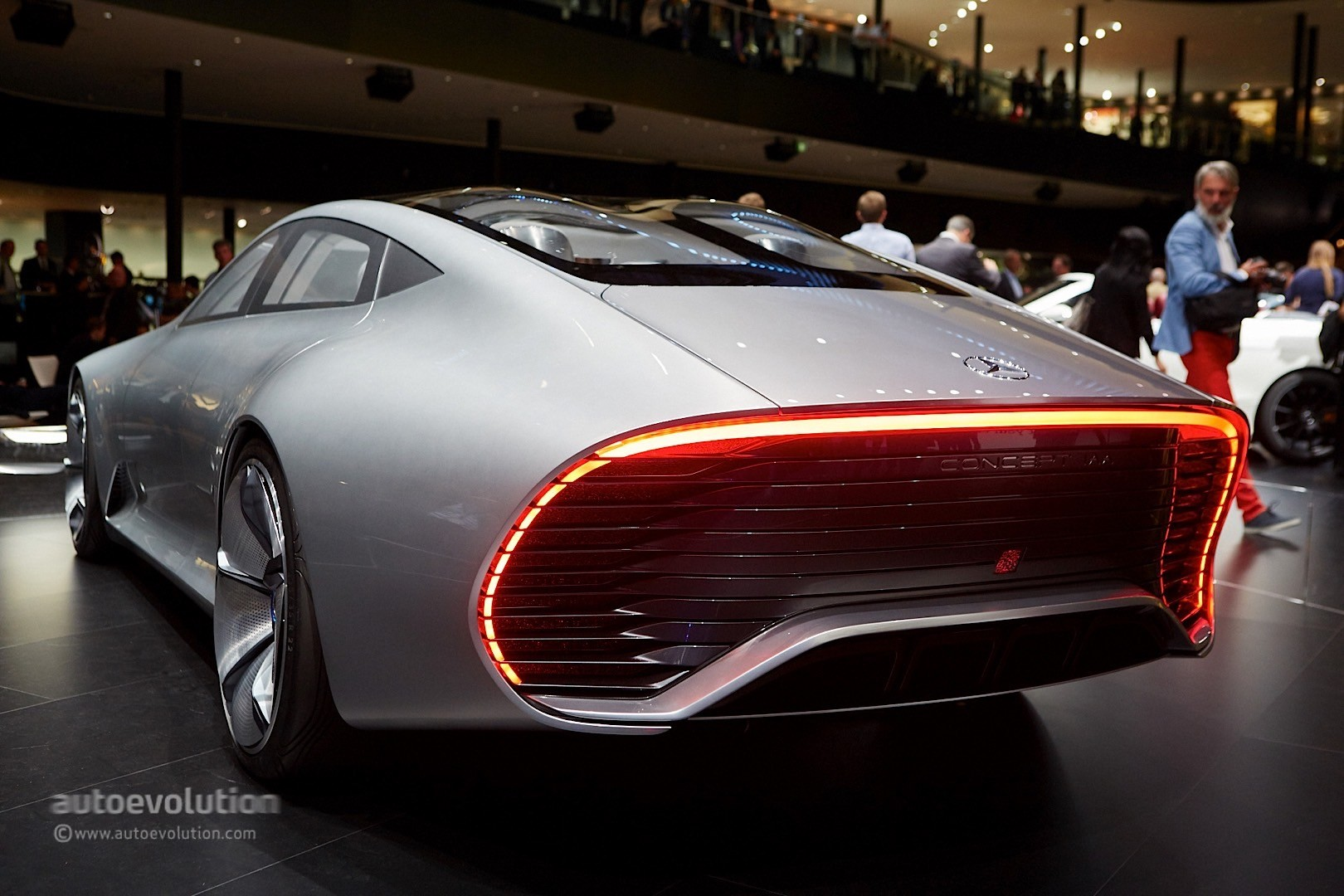 mercedes benz concept iaa storms frankfurt with its