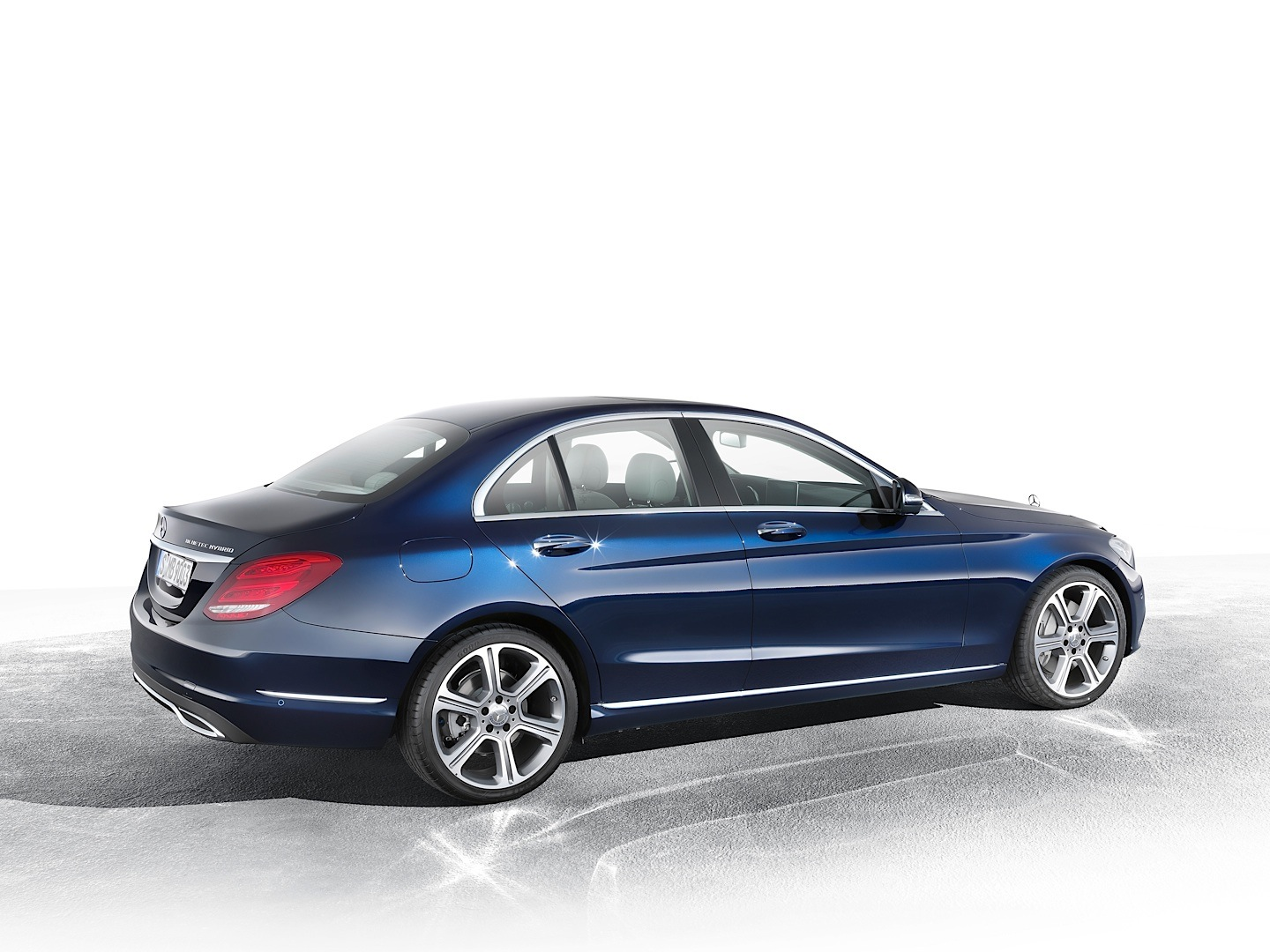 Mercedes benz delays launch of c class diesel versions in for Mercedes benz a class usa