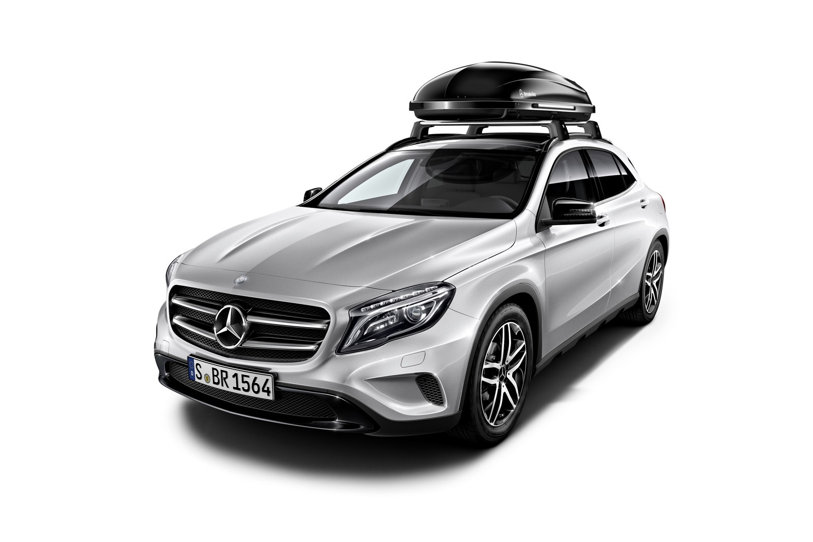 Mercedes Benz Designs A Range Of Accesories For The Gla Autoevolution