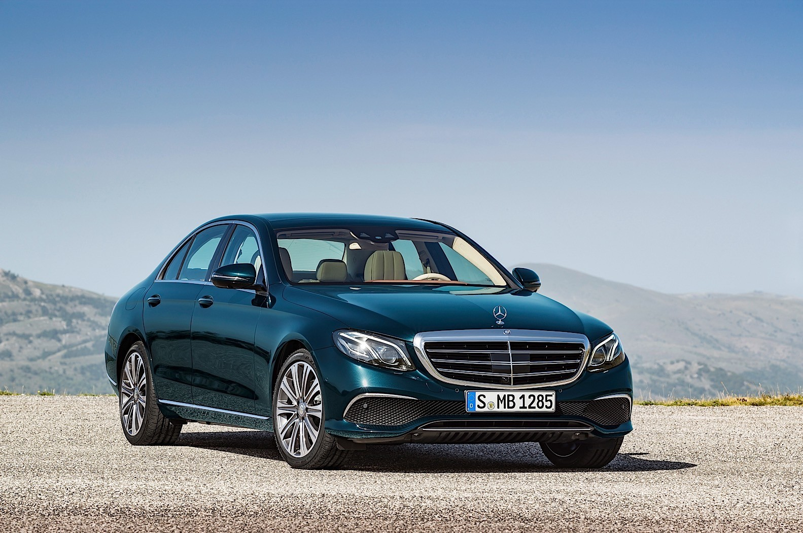 Mercedes benz e class commercial slammed as misleading for Mercedes benz safety