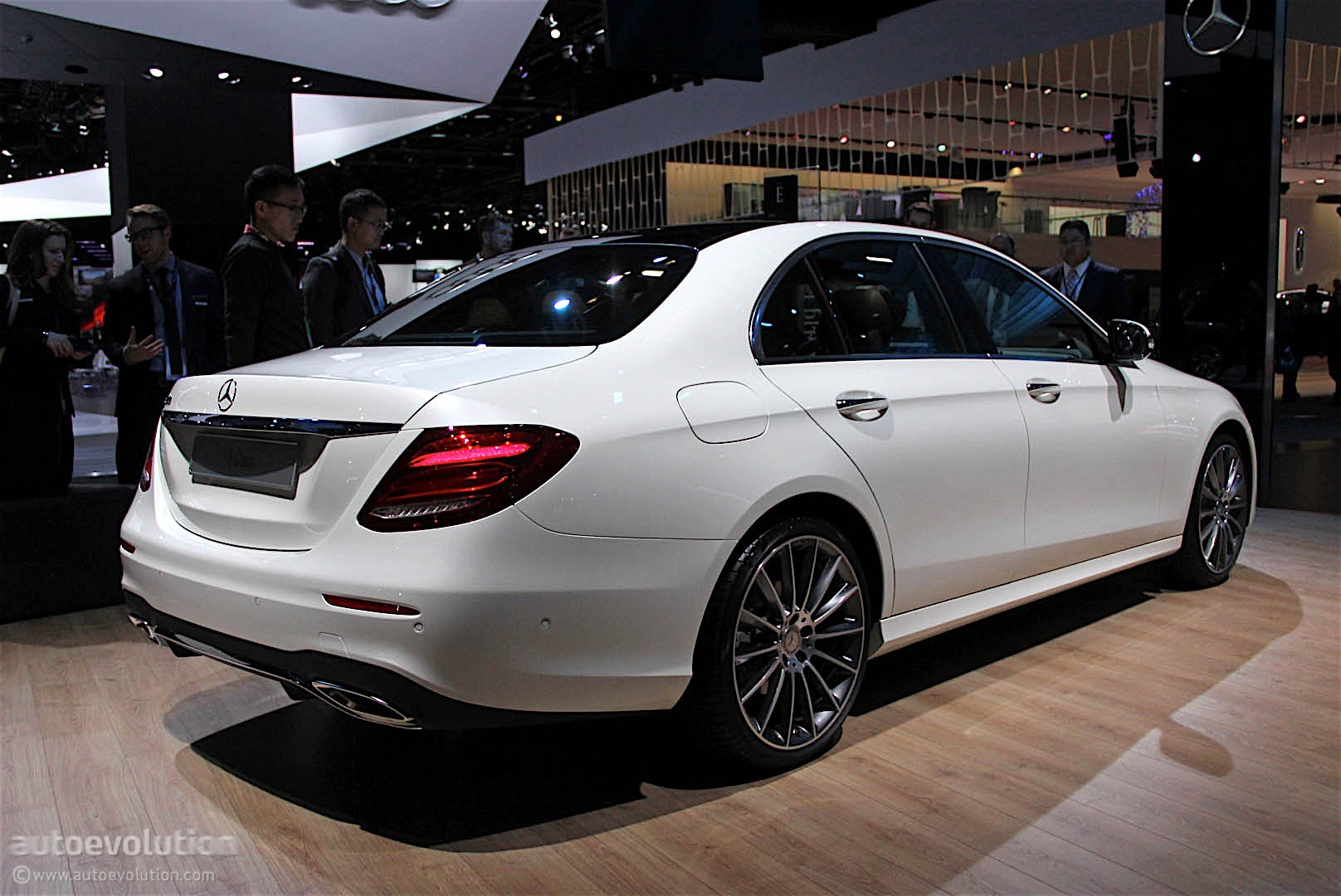 2017 Mercedes Benz E Class Unveiled At The 2016 Detroit