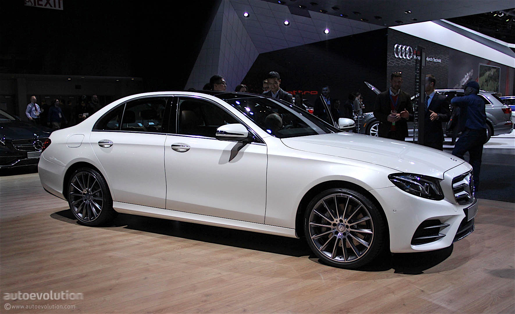 2017 mercedes benz e class unveiled at the 2016 detroit. Cars Review. Best American Auto & Cars Review