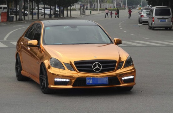 Chrome Car Wrap >> Mercedes-Benz E63 AMG Gets Gold Wrap in China - autoevolution