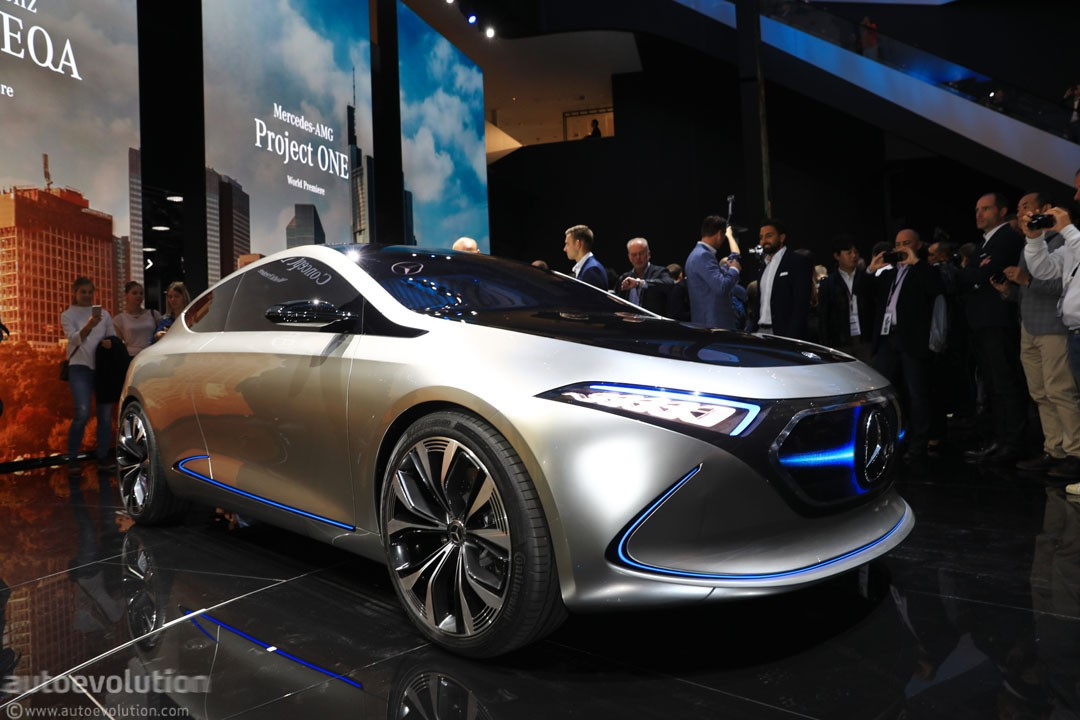 https://s1.cdn.autoevolution.com/images/news/gallery/mercedes-benz-eqa-concept-marks-the-switch-to-beautiful-weird-electric-concepts_2.jpg