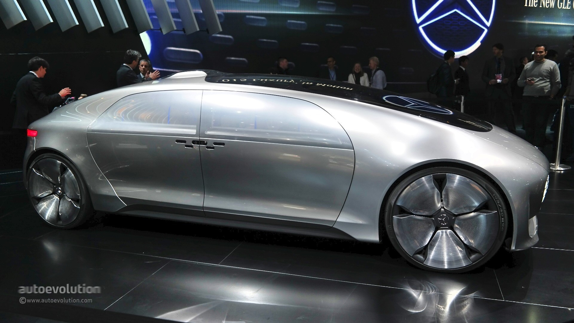 Mercedes benz f 015 concept previews the future at 2015 for Mercedes benz f 015