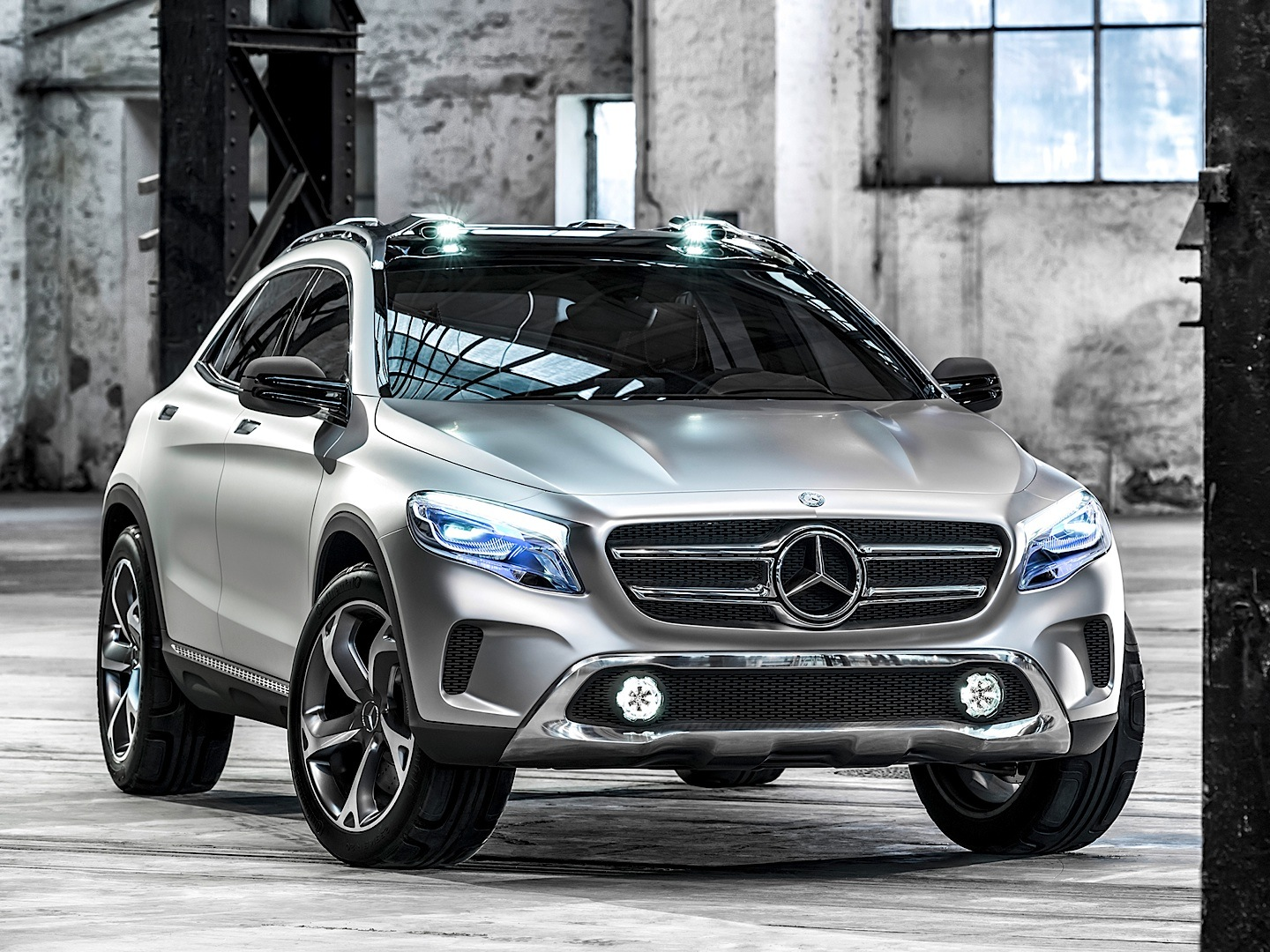 mercedes benz gla gets first teaser on youtube autoevolution. Black Bedroom Furniture Sets. Home Design Ideas