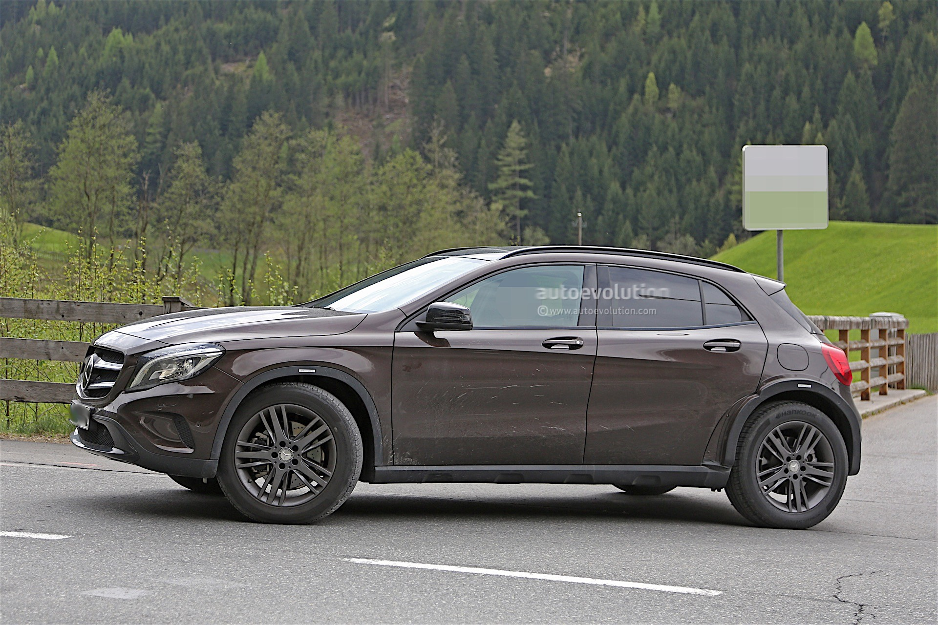 Mercedes benz is testing upcoming glb spyshots reveal for Upcoming mercedes benz models