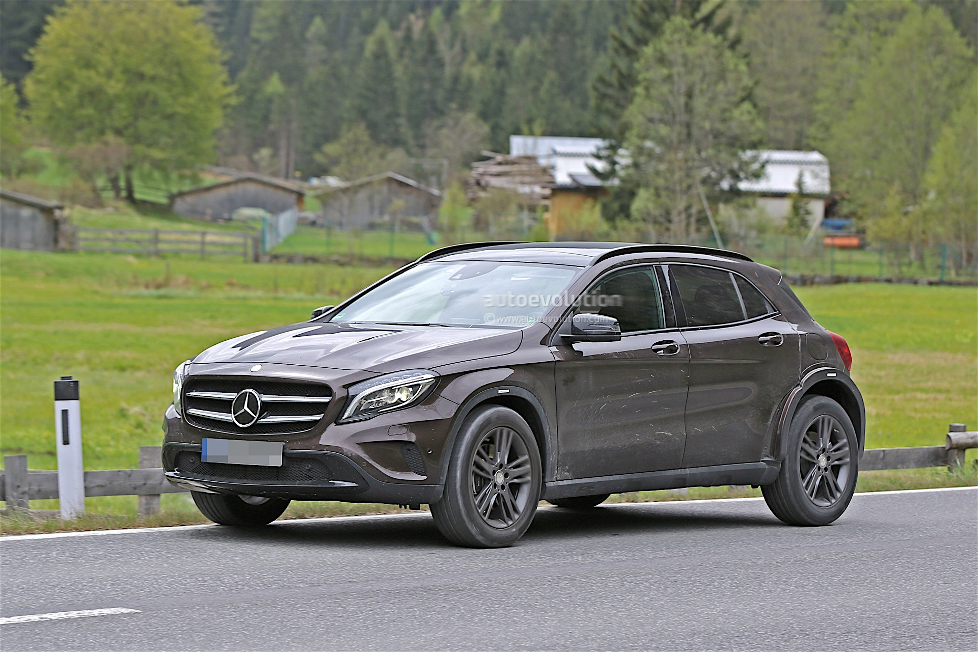 Mercedes-Benz Is Testing Upcoming GLB, Spyshots Reveal ...