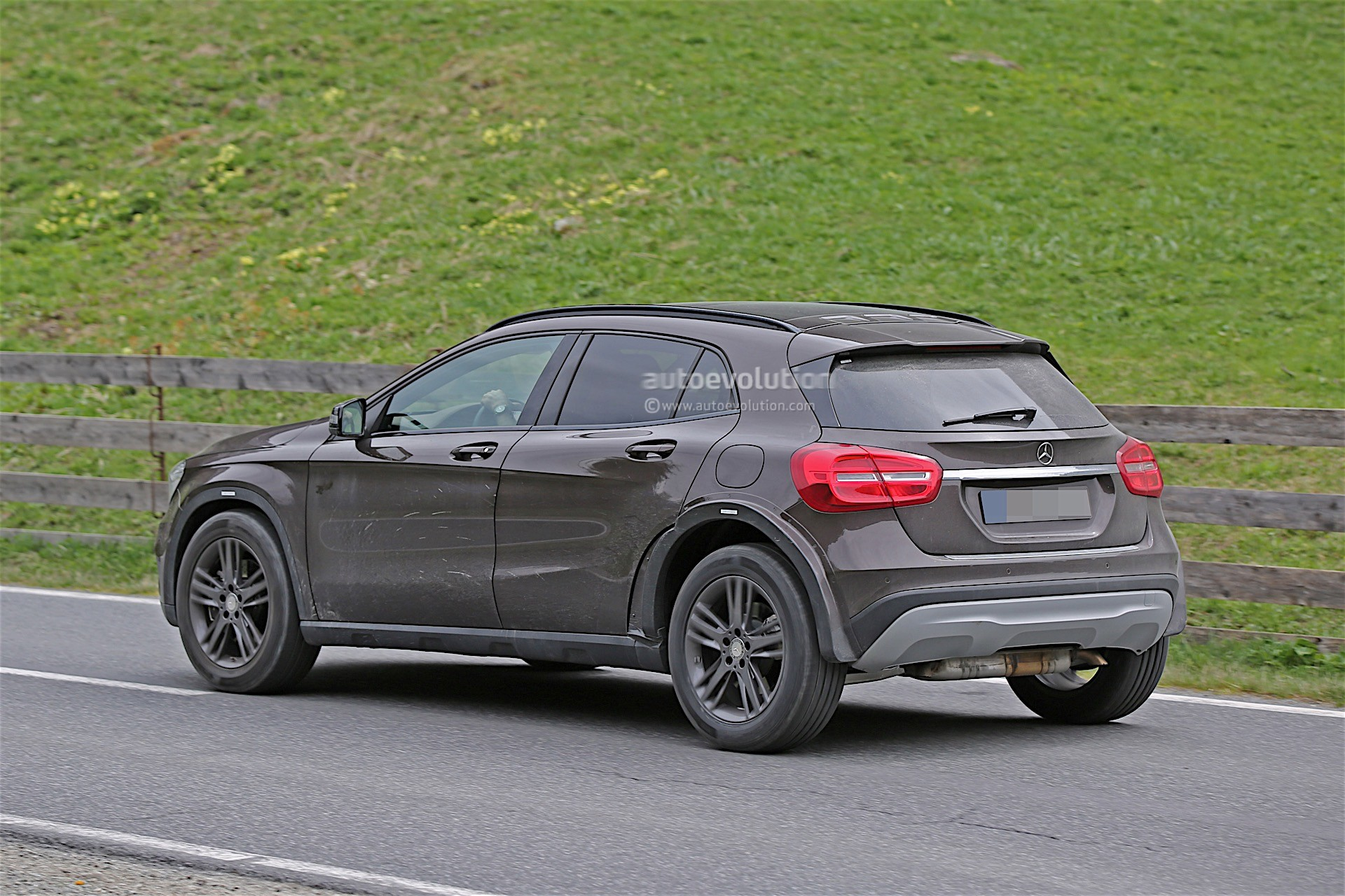 Mercedes-Benz MFA's 4Matic Systems Come From Magna ...