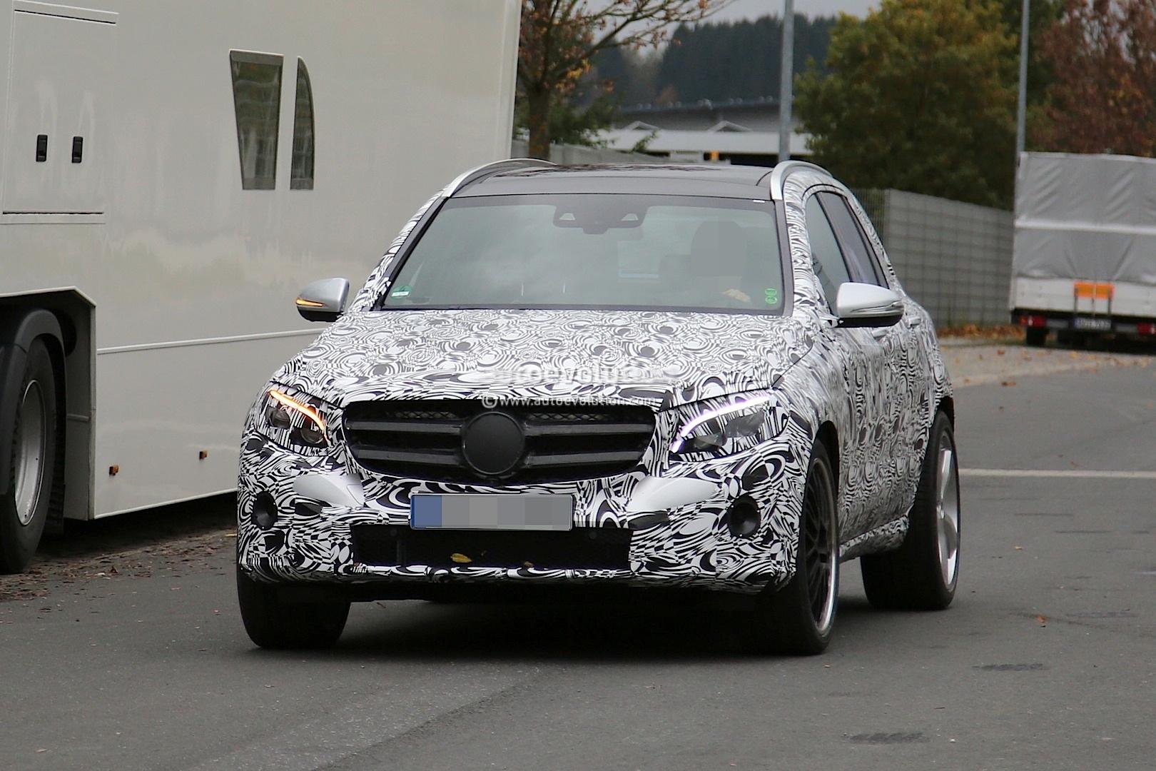 Mercedes-Benz GLC63 AMG First Spyshots: GLK Successor with 4.0-liter V8 - autoevolution