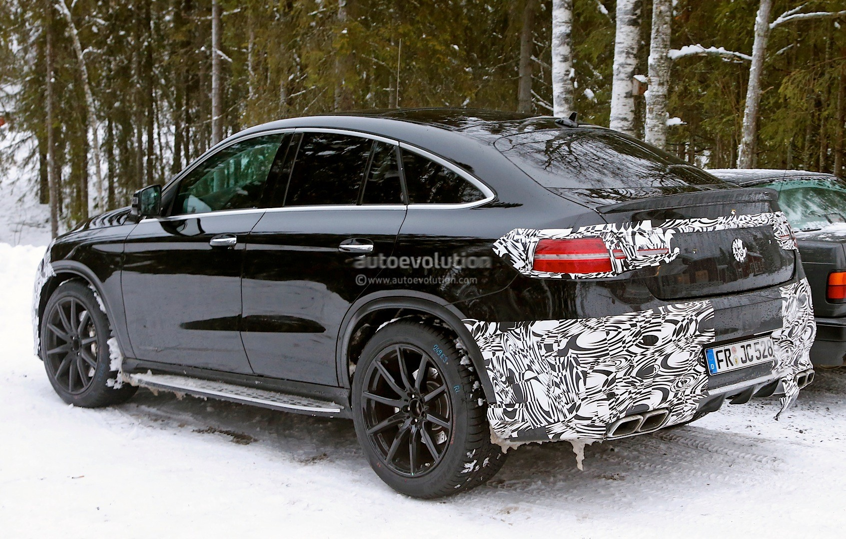 mercedes benz gle 63 amg coupe spied in production ready. Black Bedroom Furniture Sets. Home Design Ideas